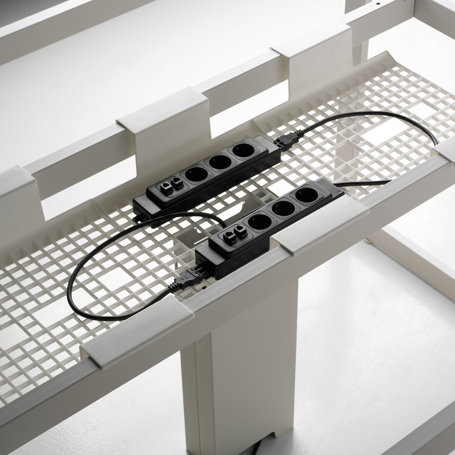 F25 Cable Management Tray