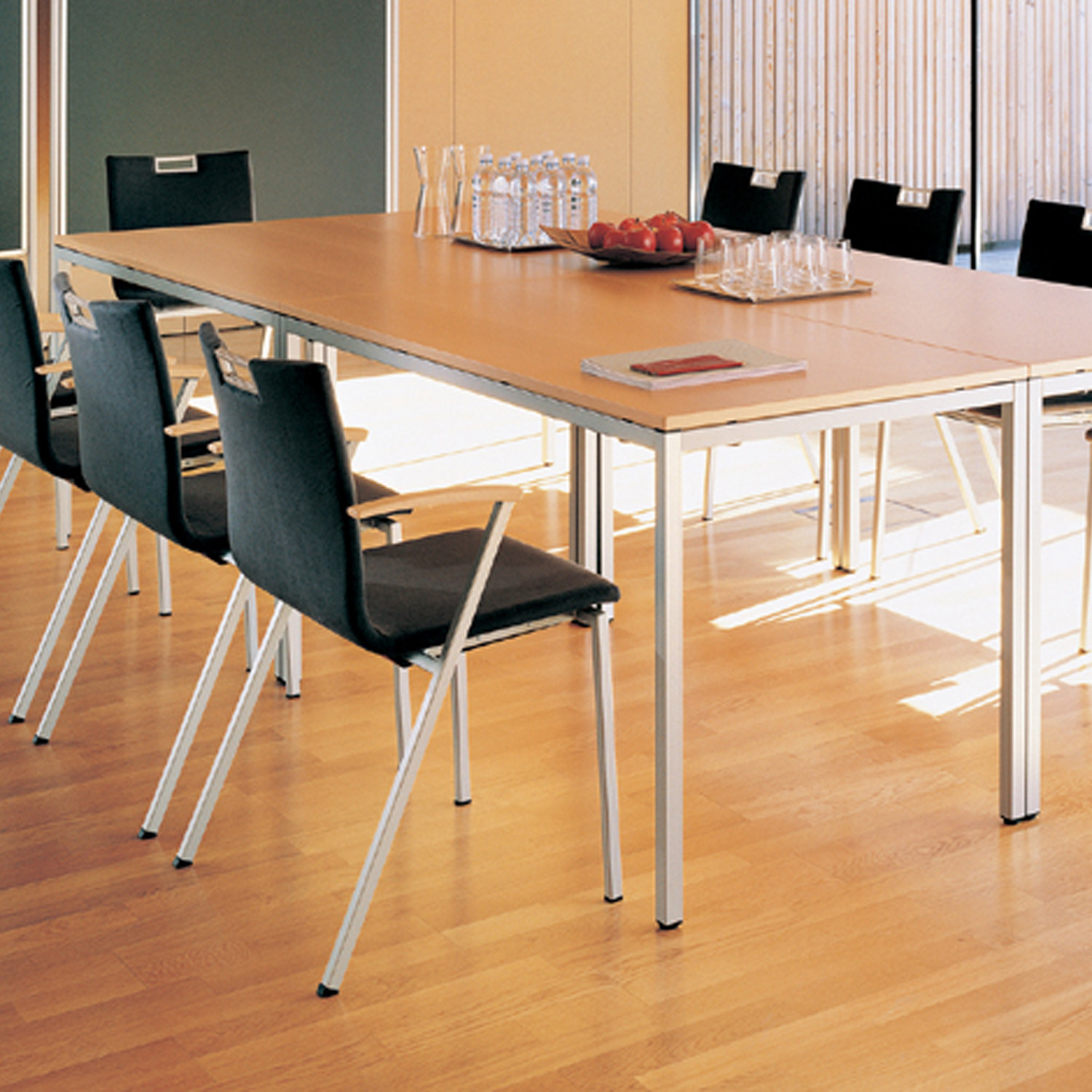 Clip Tables for Meetings