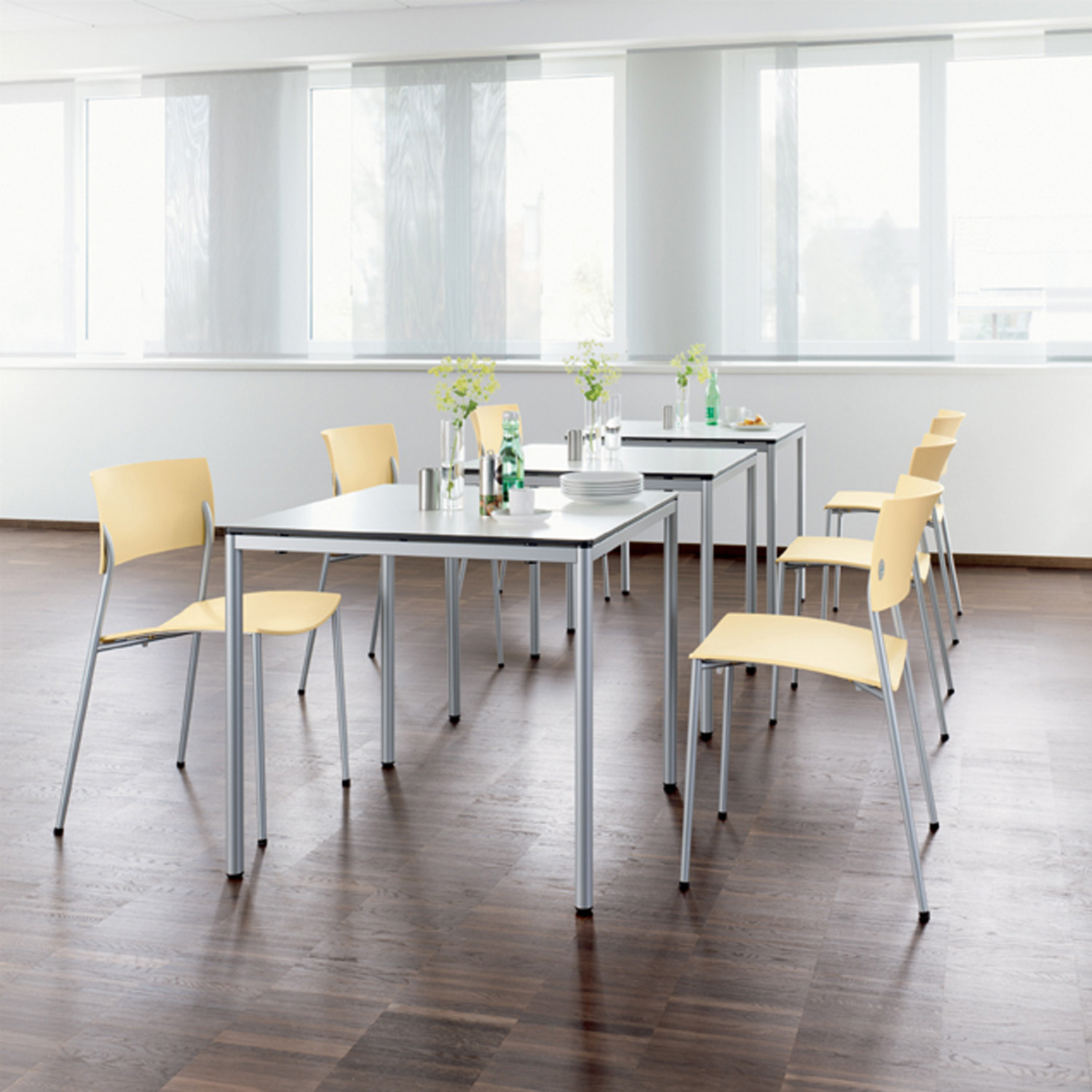 Clip Table by Wiesner Hager