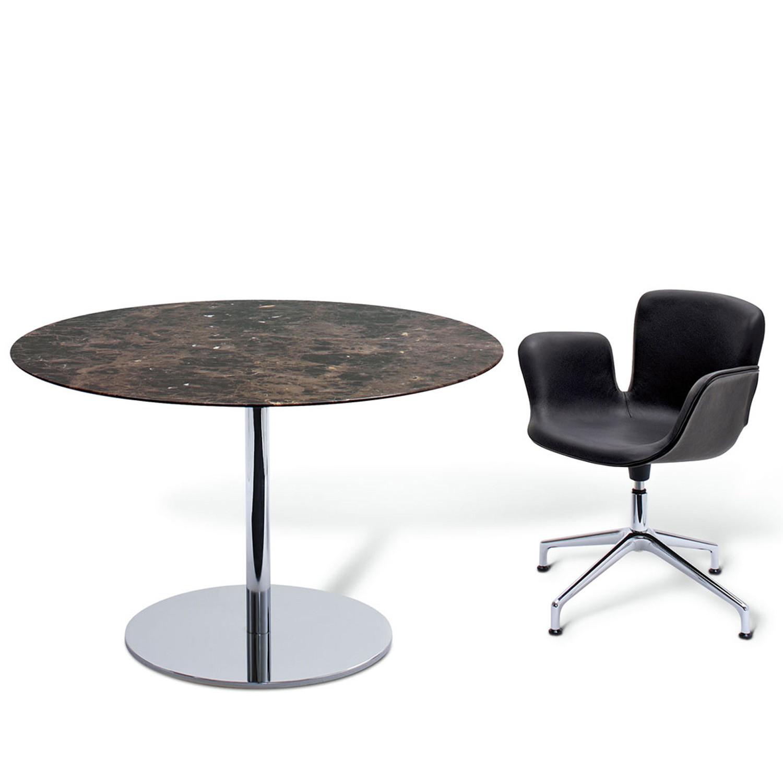 Juli 09 Armchair & Table