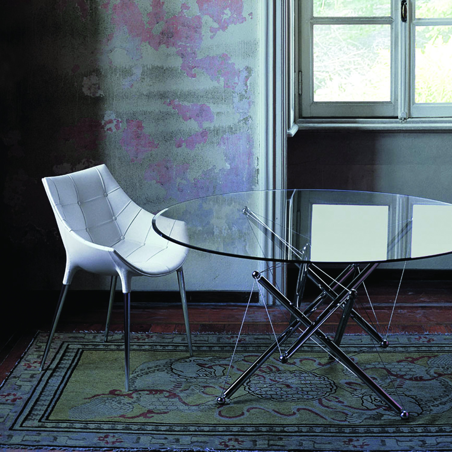 246 Passion Chair with Table