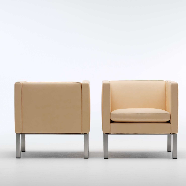 EJ 51 Reception Armchairs