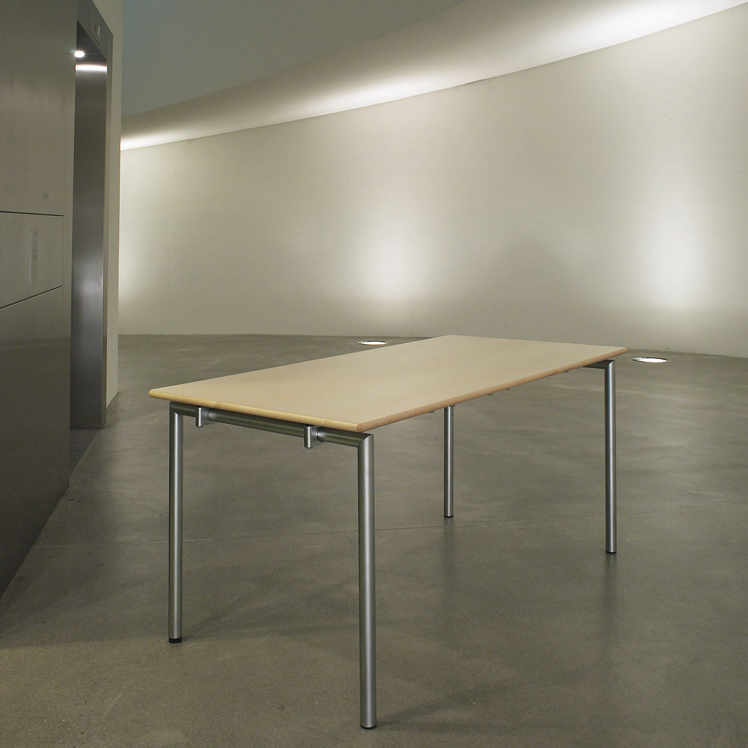 Flex Folding Meeting Table