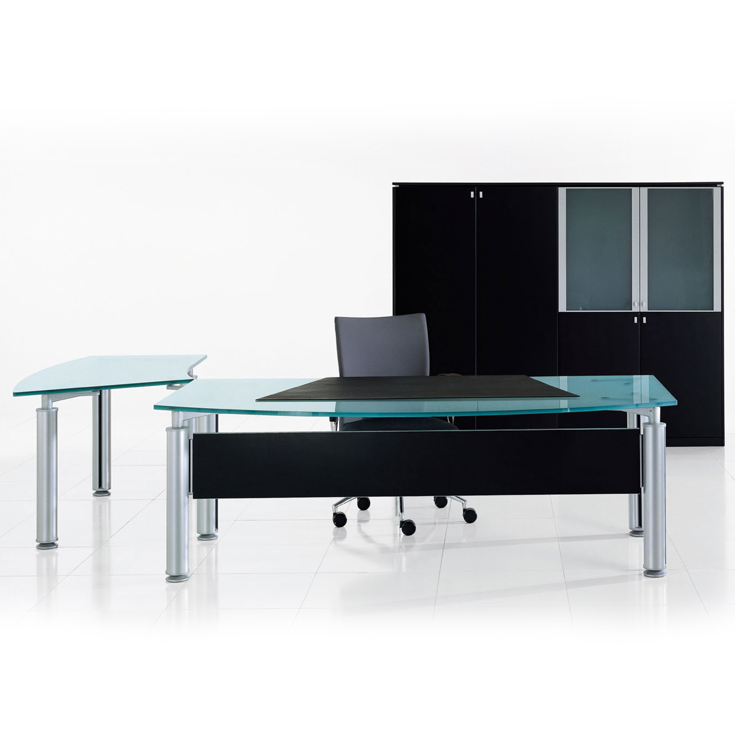 Forma Kristall Executive Desk with modesty panel
