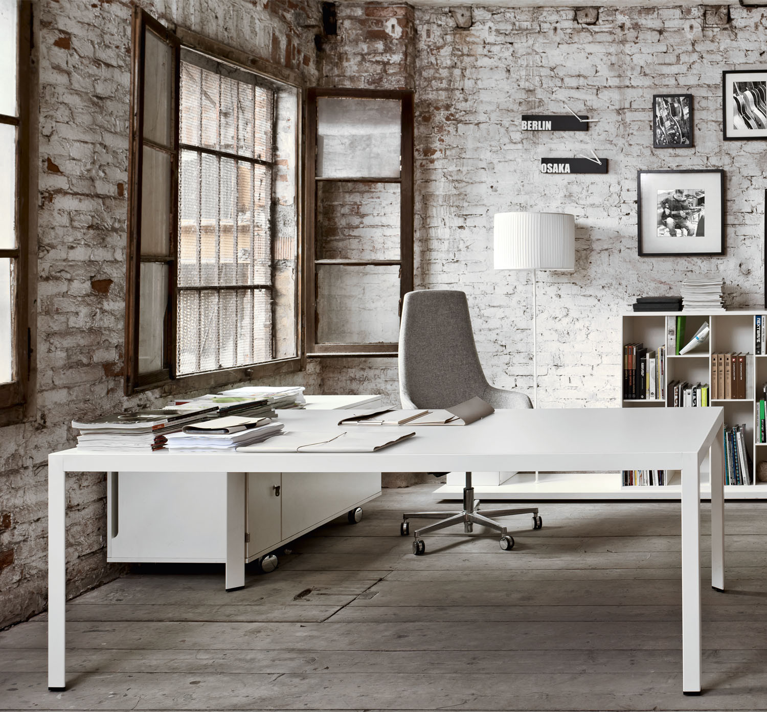 Frame Plus Executive White Office Desk