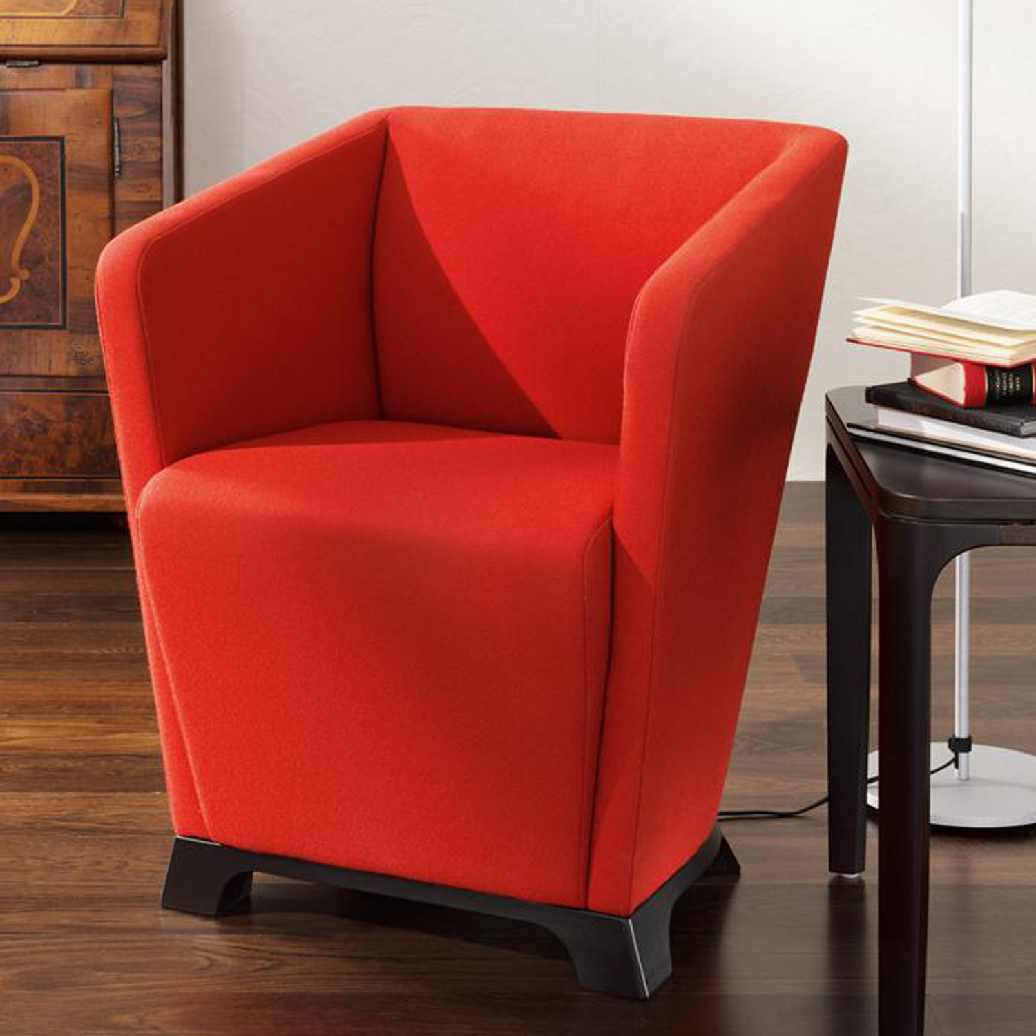 Grace Lounge Chair with Feet