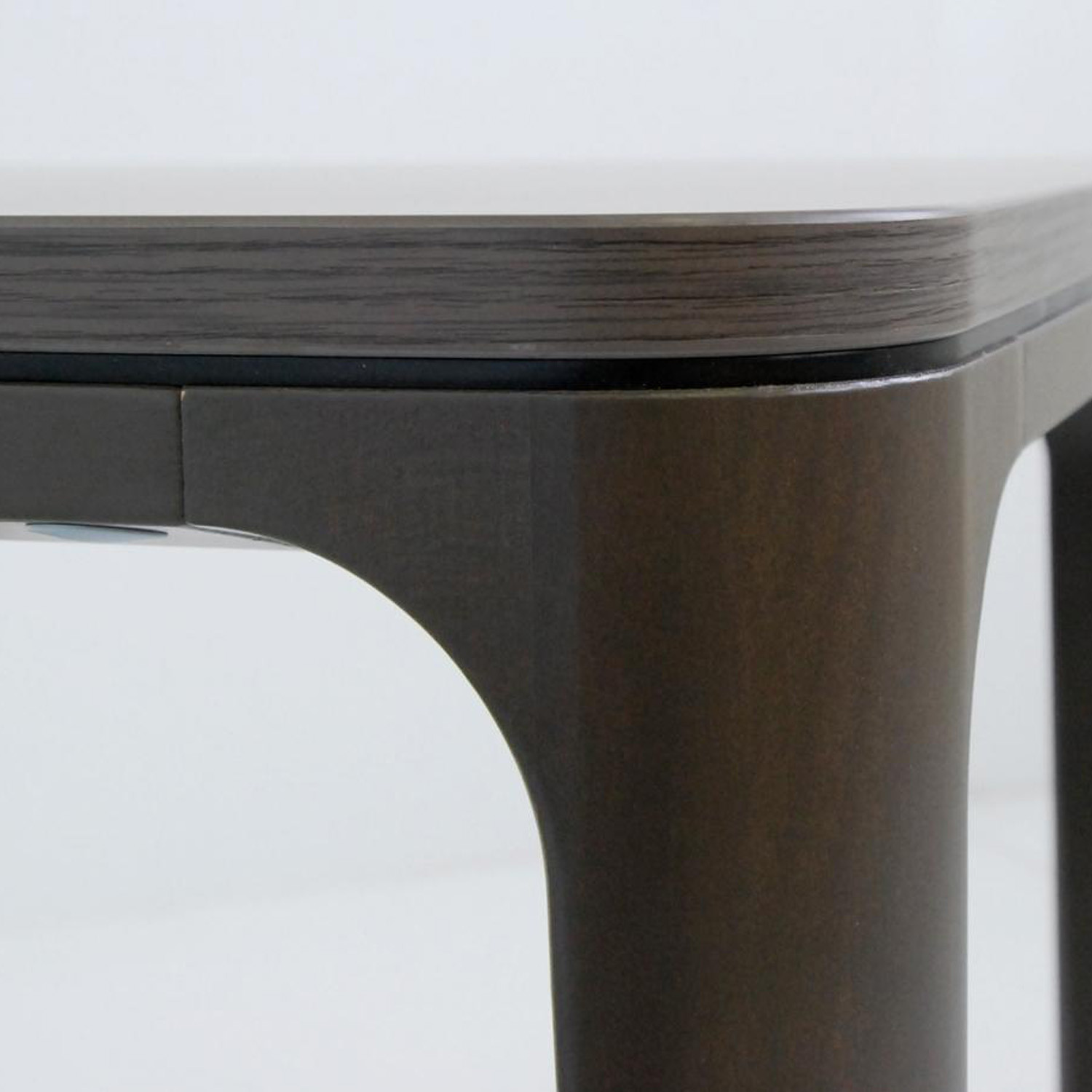 Grace Table Detail from Kai Stania