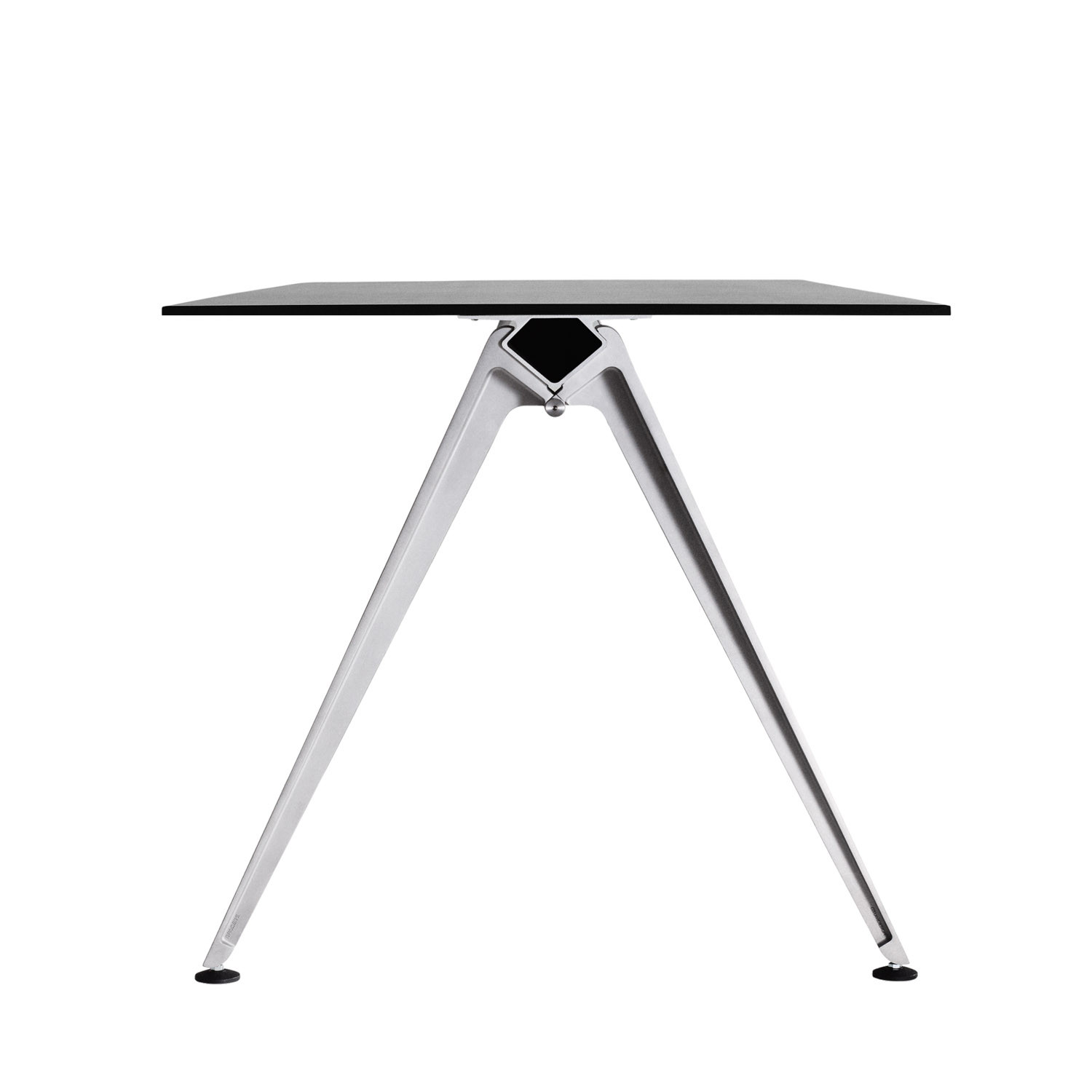 Grip Basic Table by Randers+Radius
