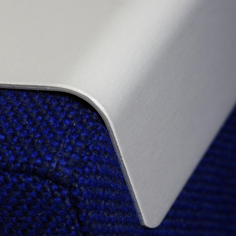 Grow Sofa Table Detail