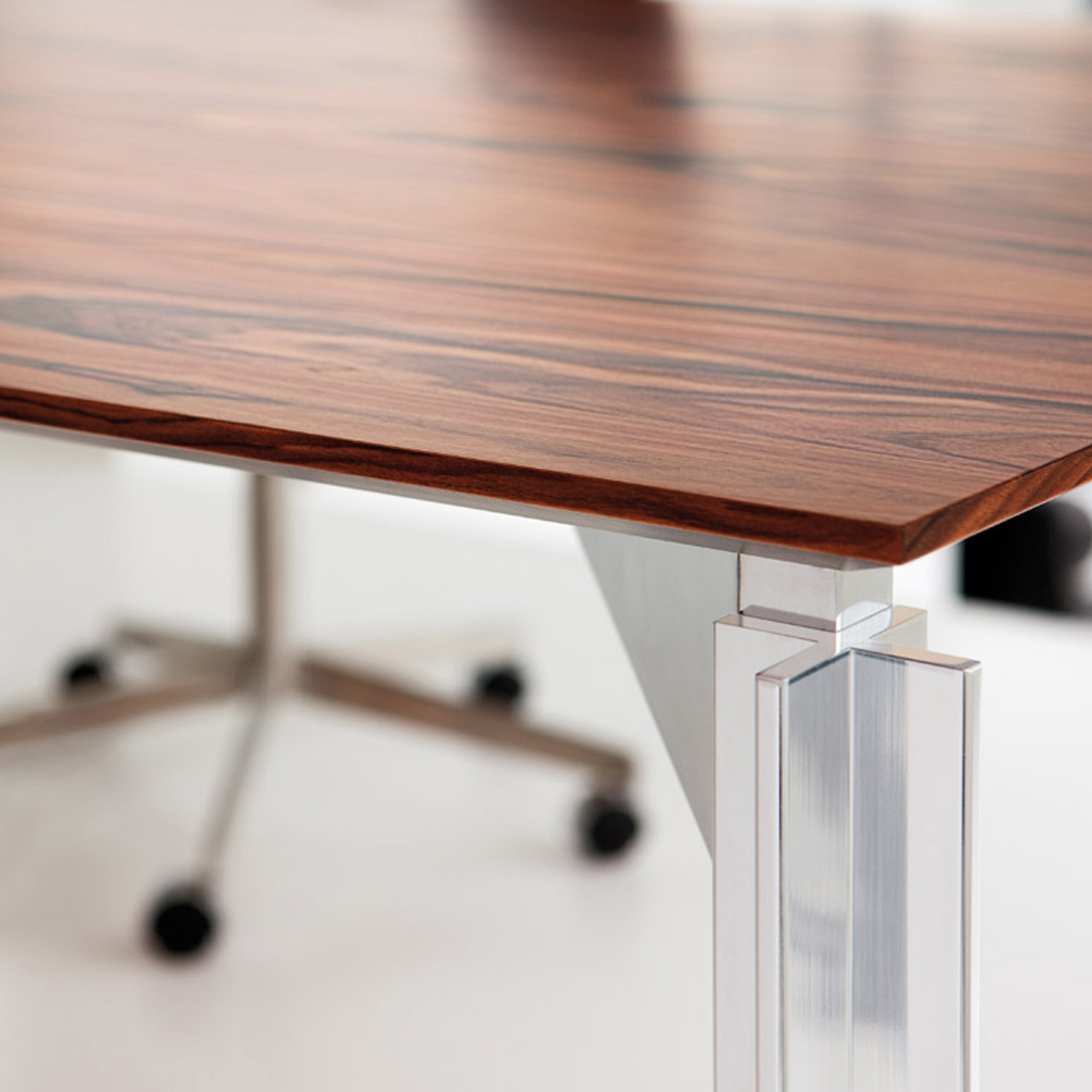 H20 Executive Desk Finish Detail