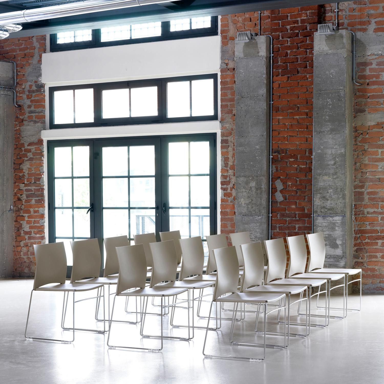 Hip Up Seminar Chairs