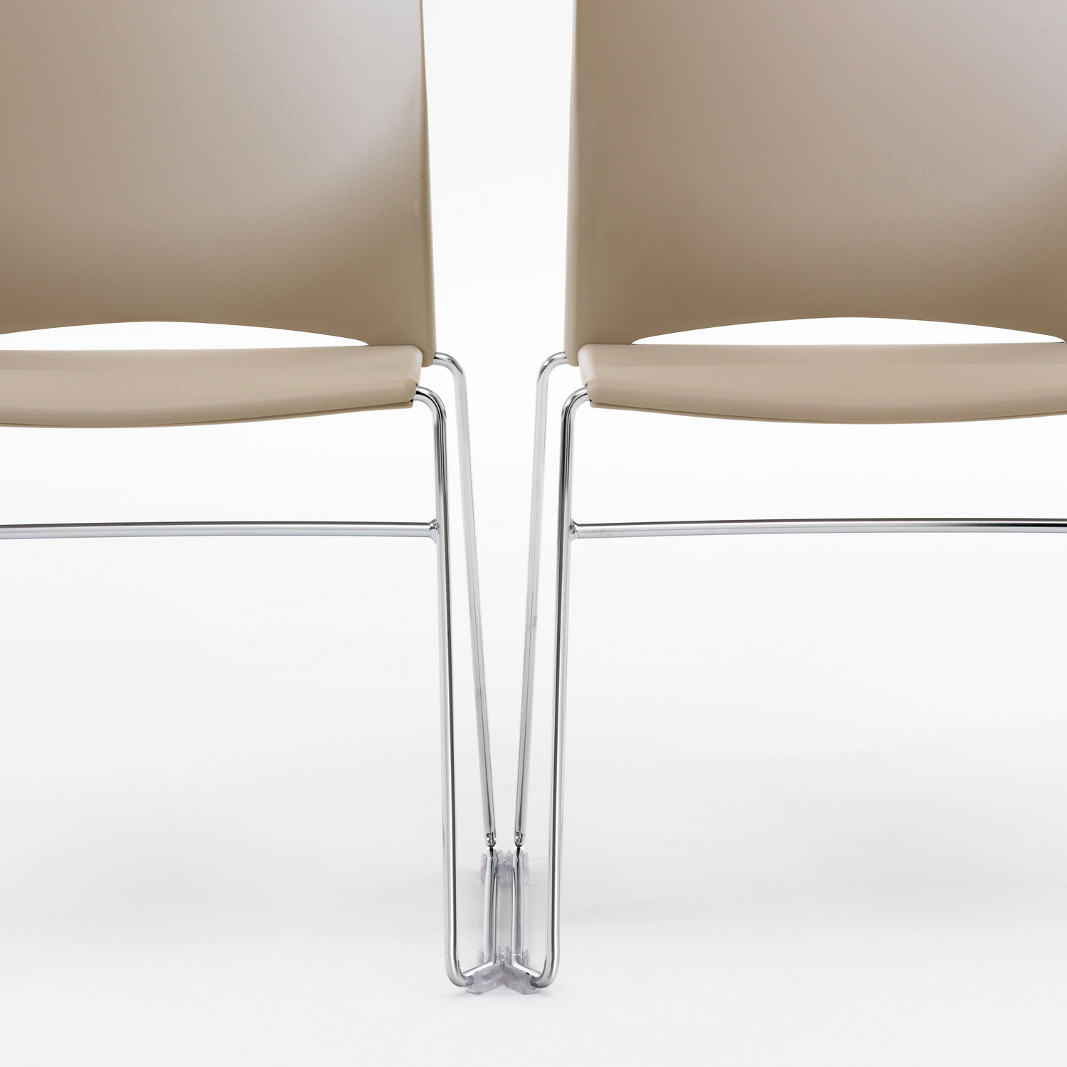 Hip Up Chairs with linking accessory