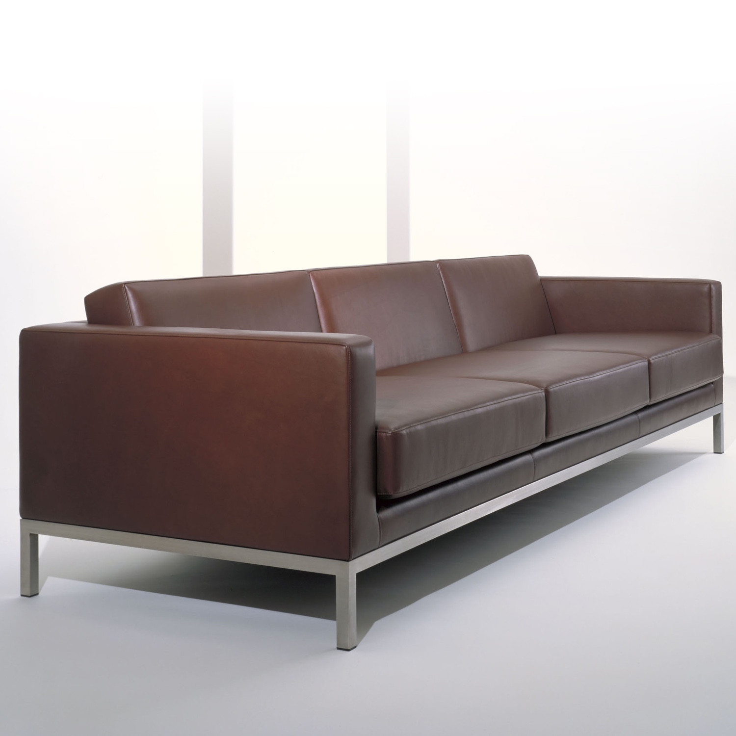 HM26 Three-Seater Sofa in brown leather upholstery