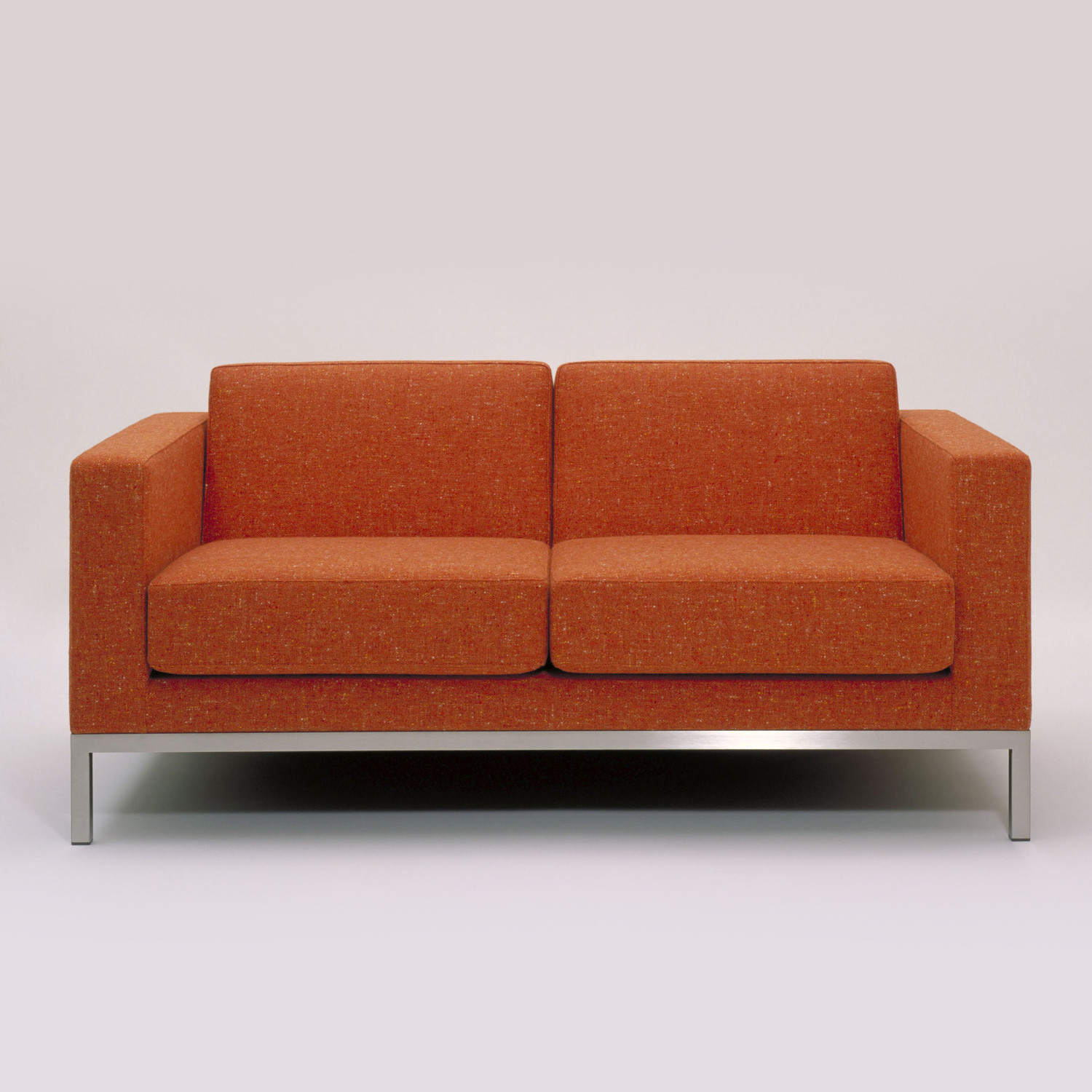 Hm26 Two-Seayet Sofa in fabric upholstery
