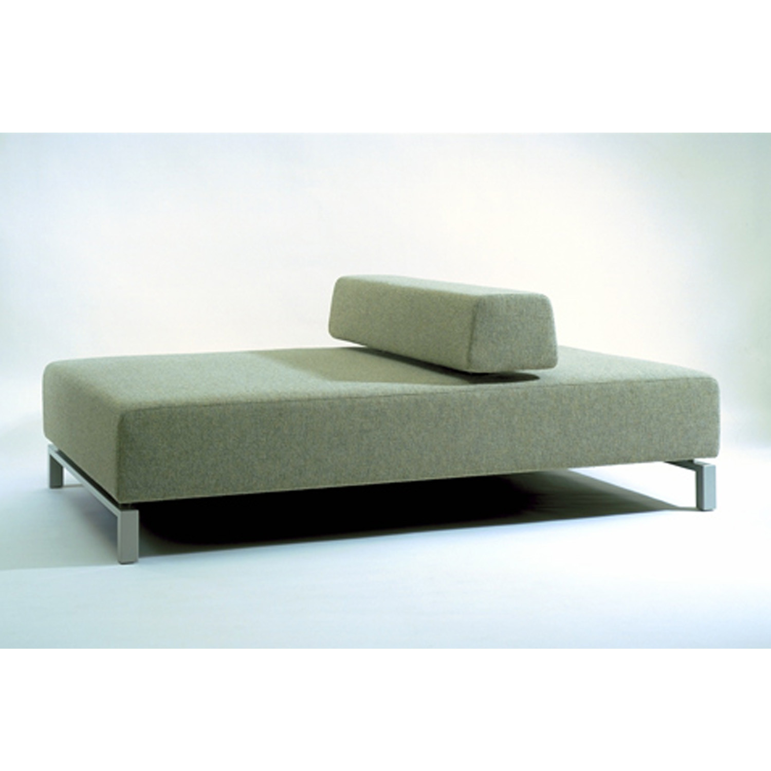 HM991 Daybed