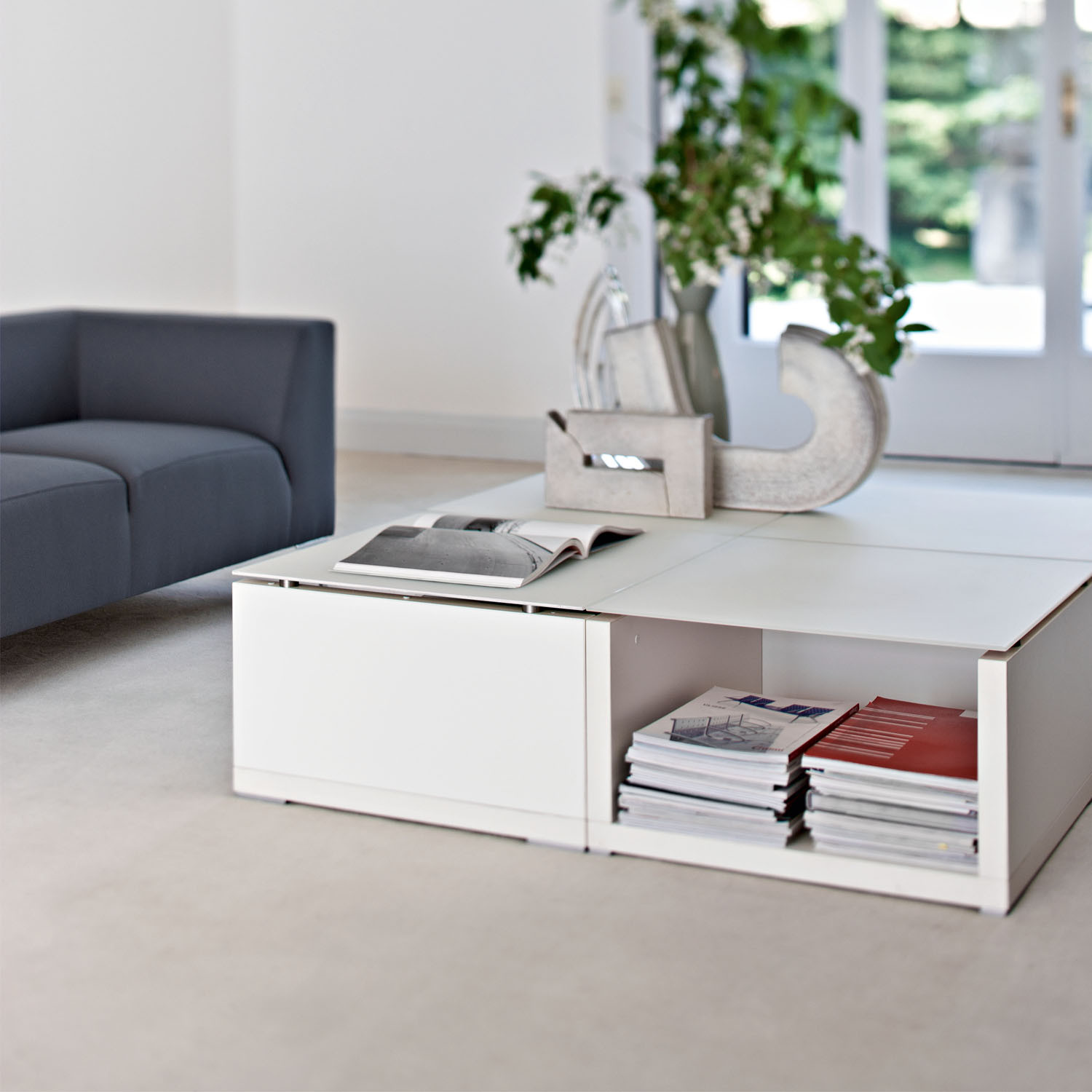 Kuadra White Coffee Table with Storage