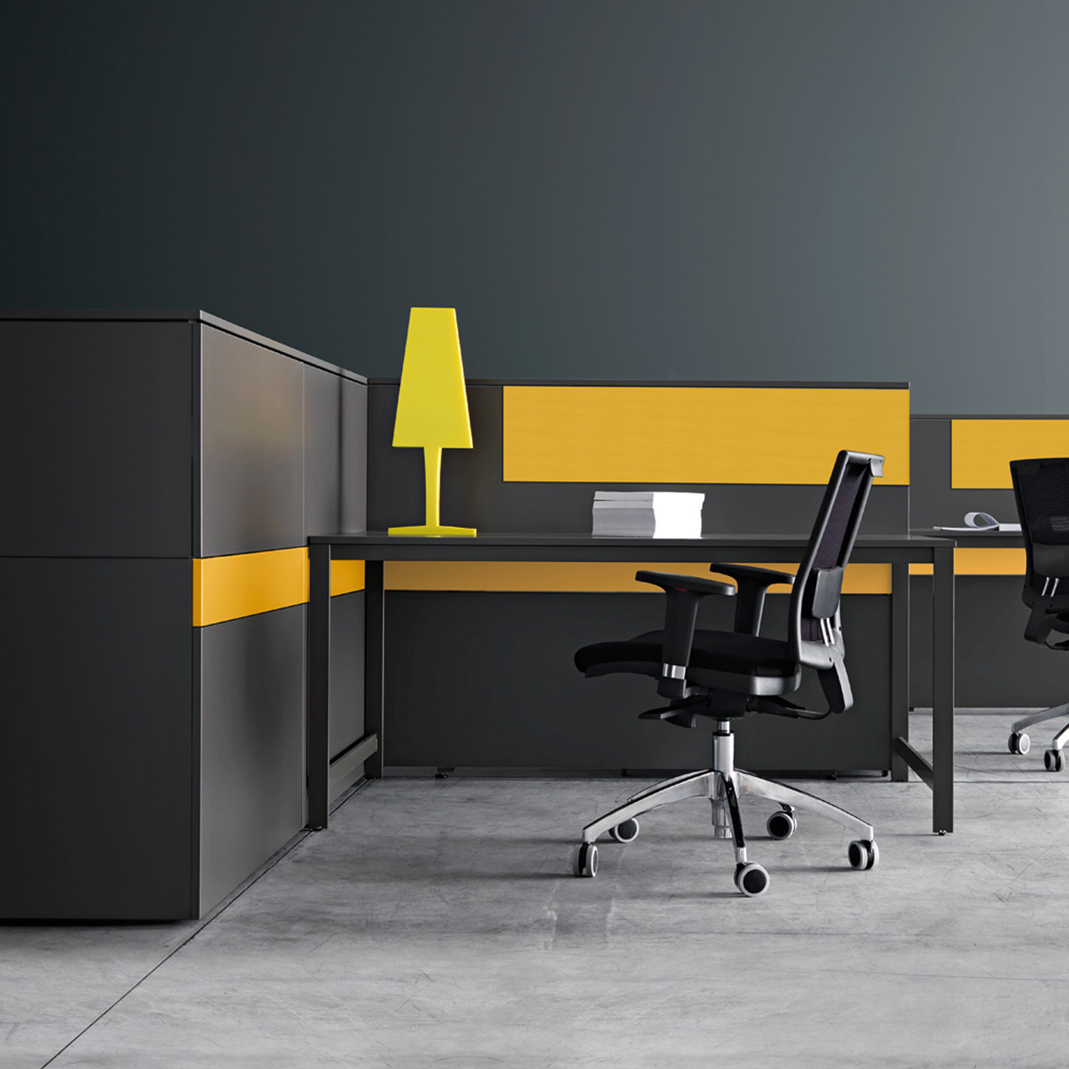 K_word Modern Office Desk from Manerba