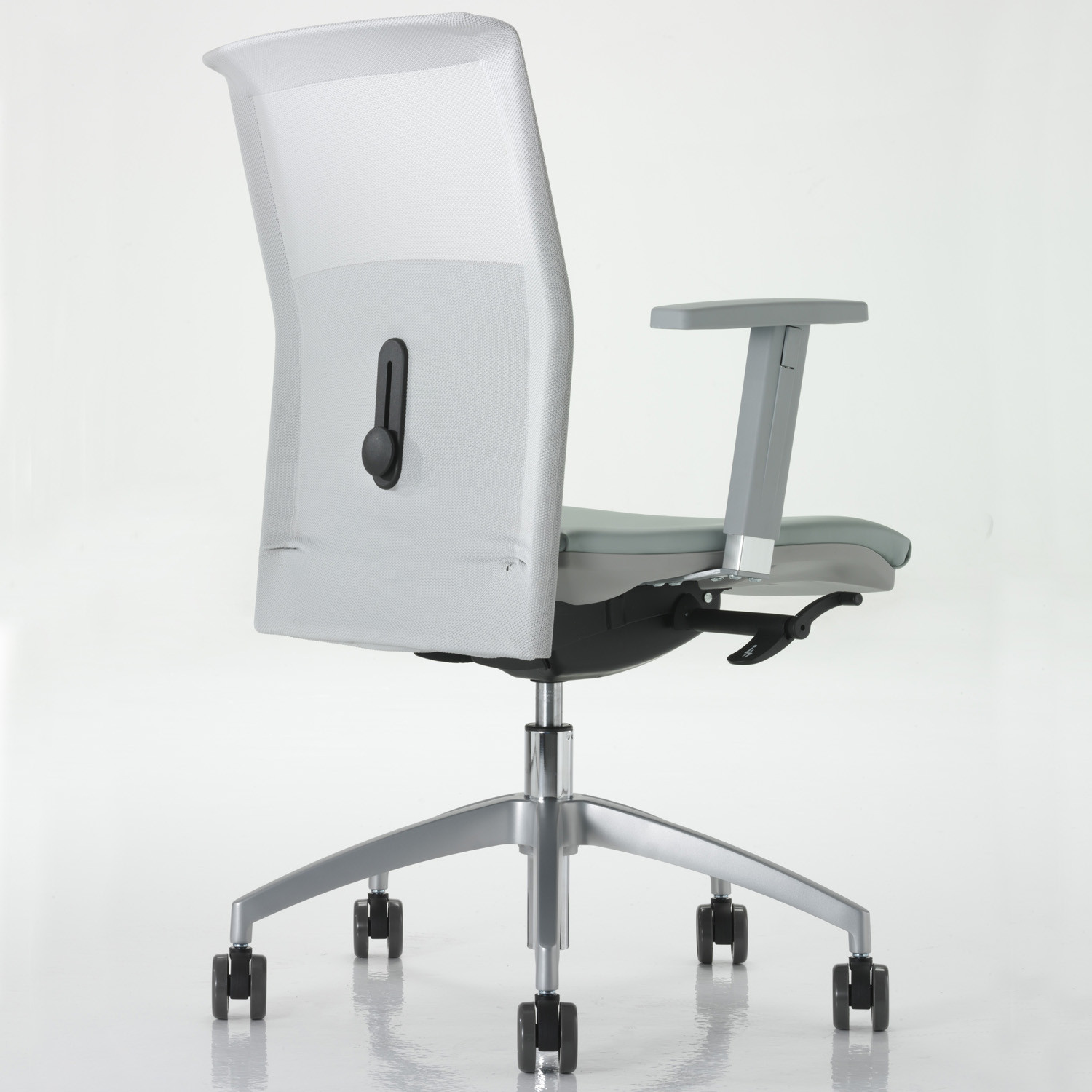 La Mesh Task Chairs by Luxy