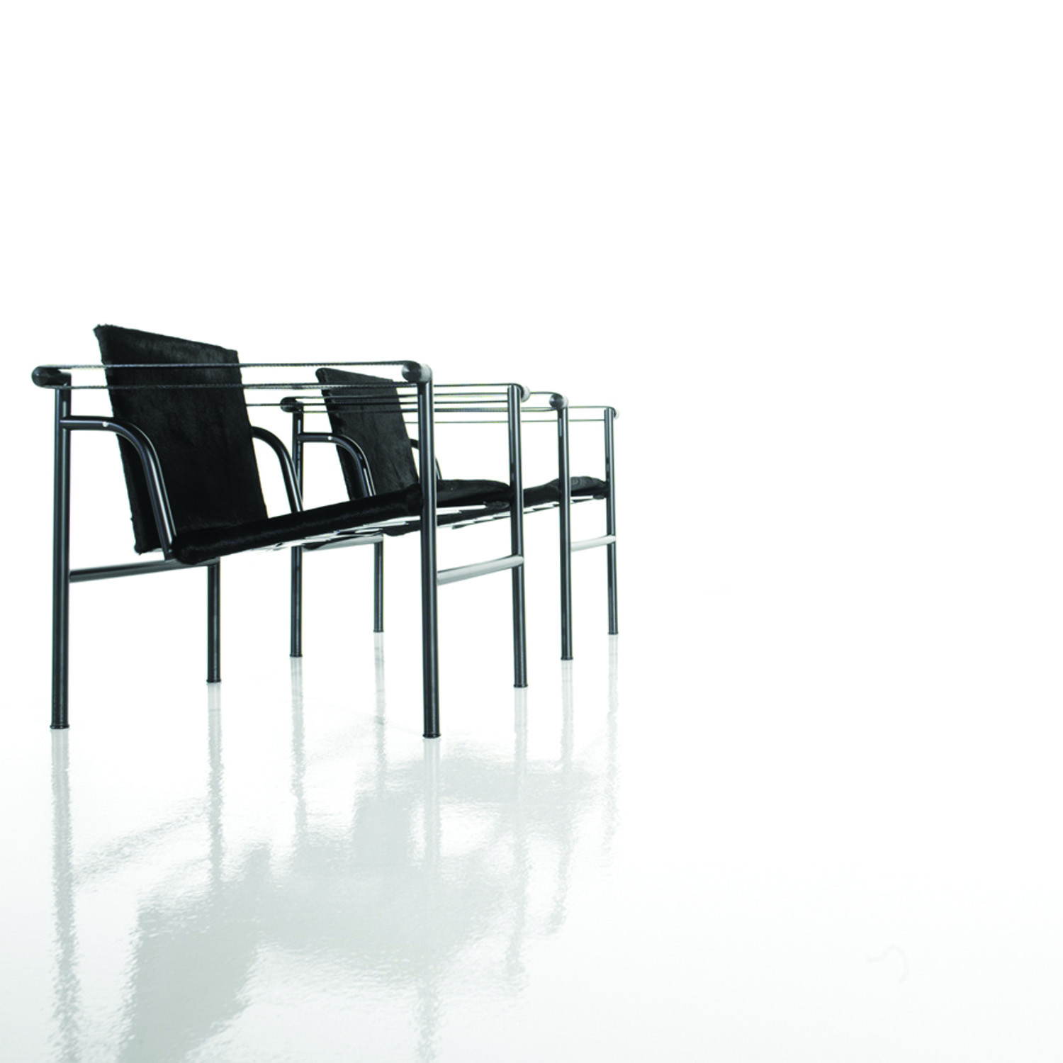 LC1 Chair Row