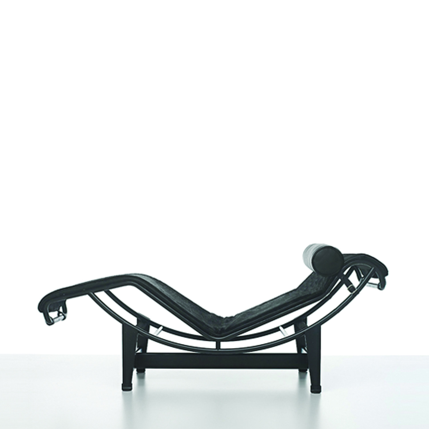 LC4 Chaise-longue Reverse Side View