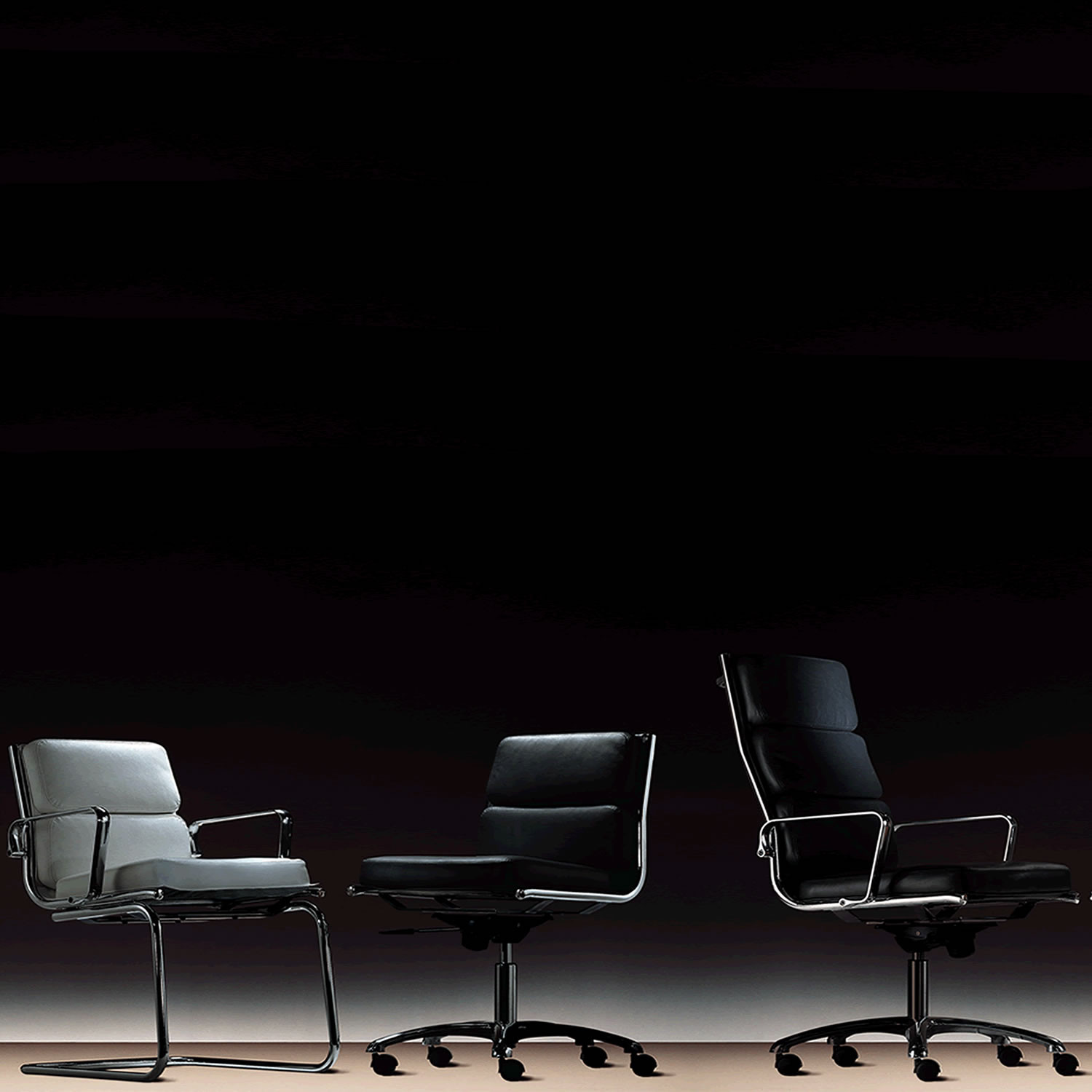 Light Seating Range is available with medium and high backrest