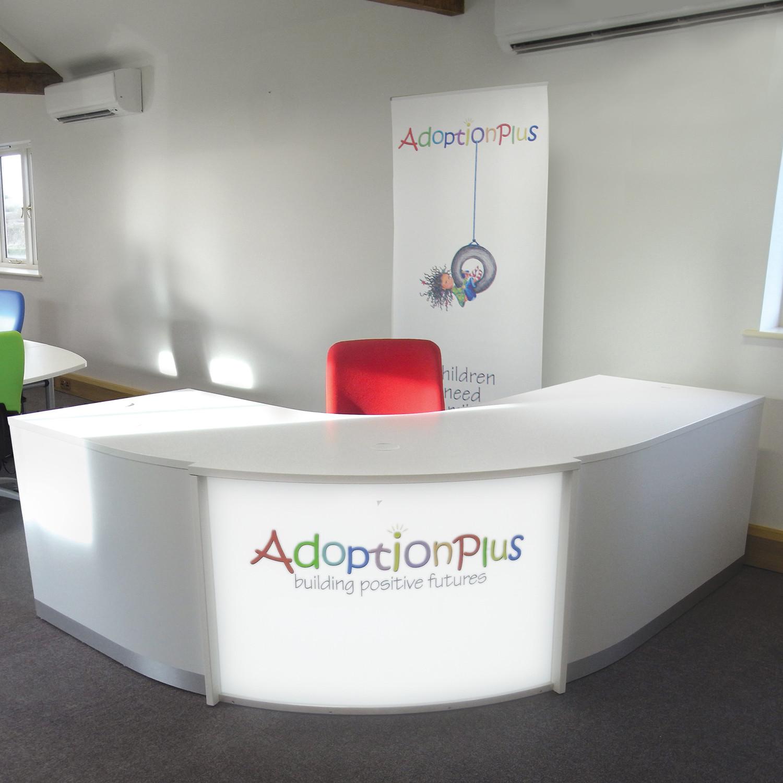 Evolution Light Curved Reception Desk