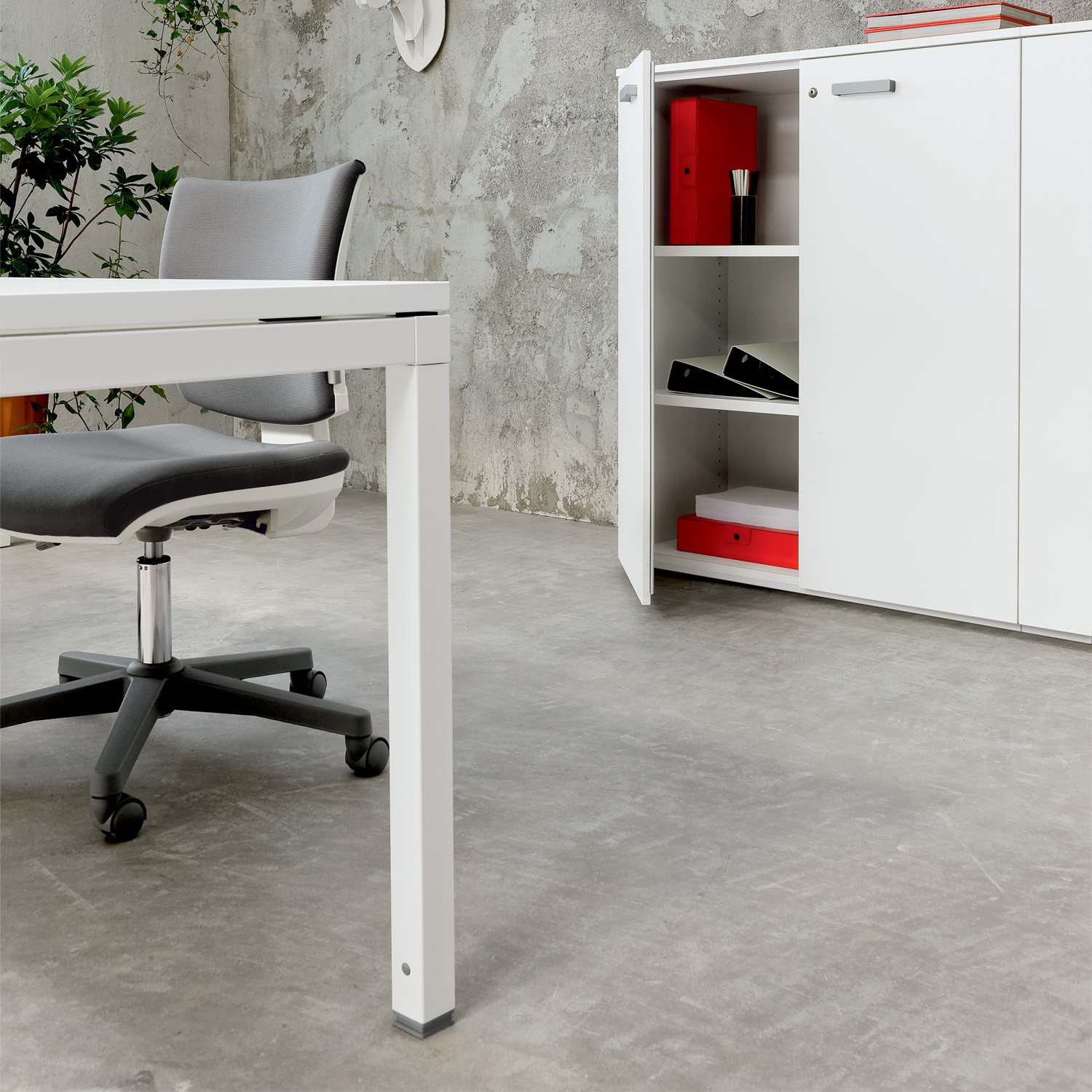 Link Executive Modular Desking System combined with Side Storage