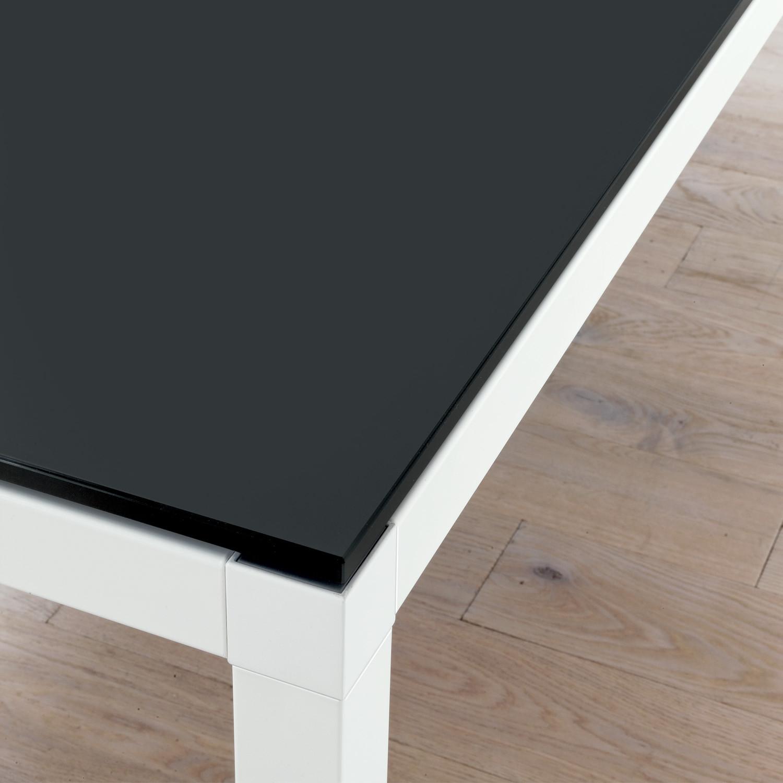 Link Meeting Table - tabletop detail