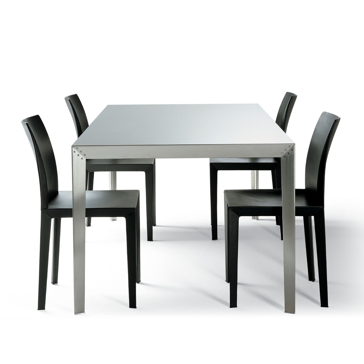 Lola Chairs with Table