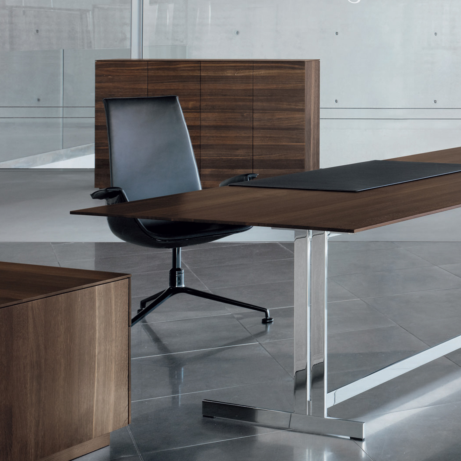 Executive Desk by Walter Knoll
