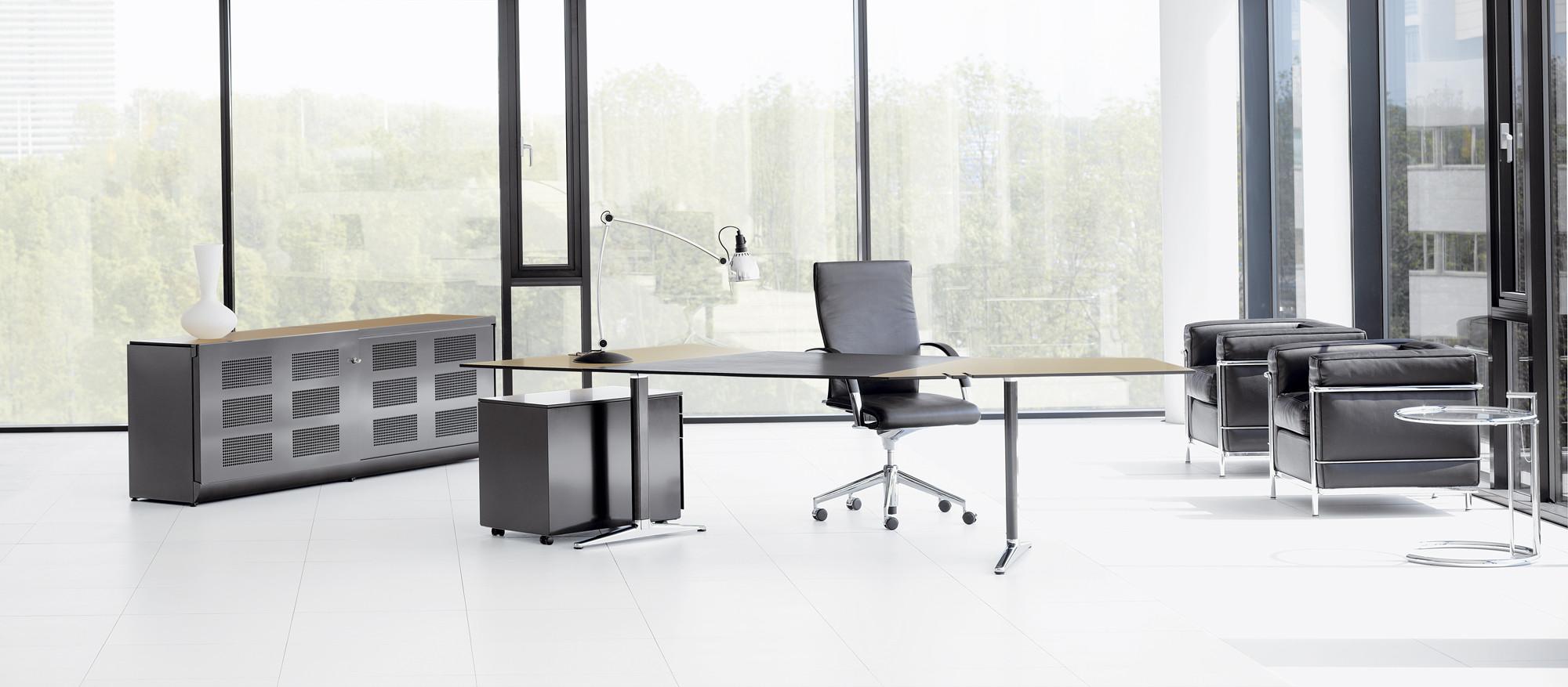 Mehes Desk