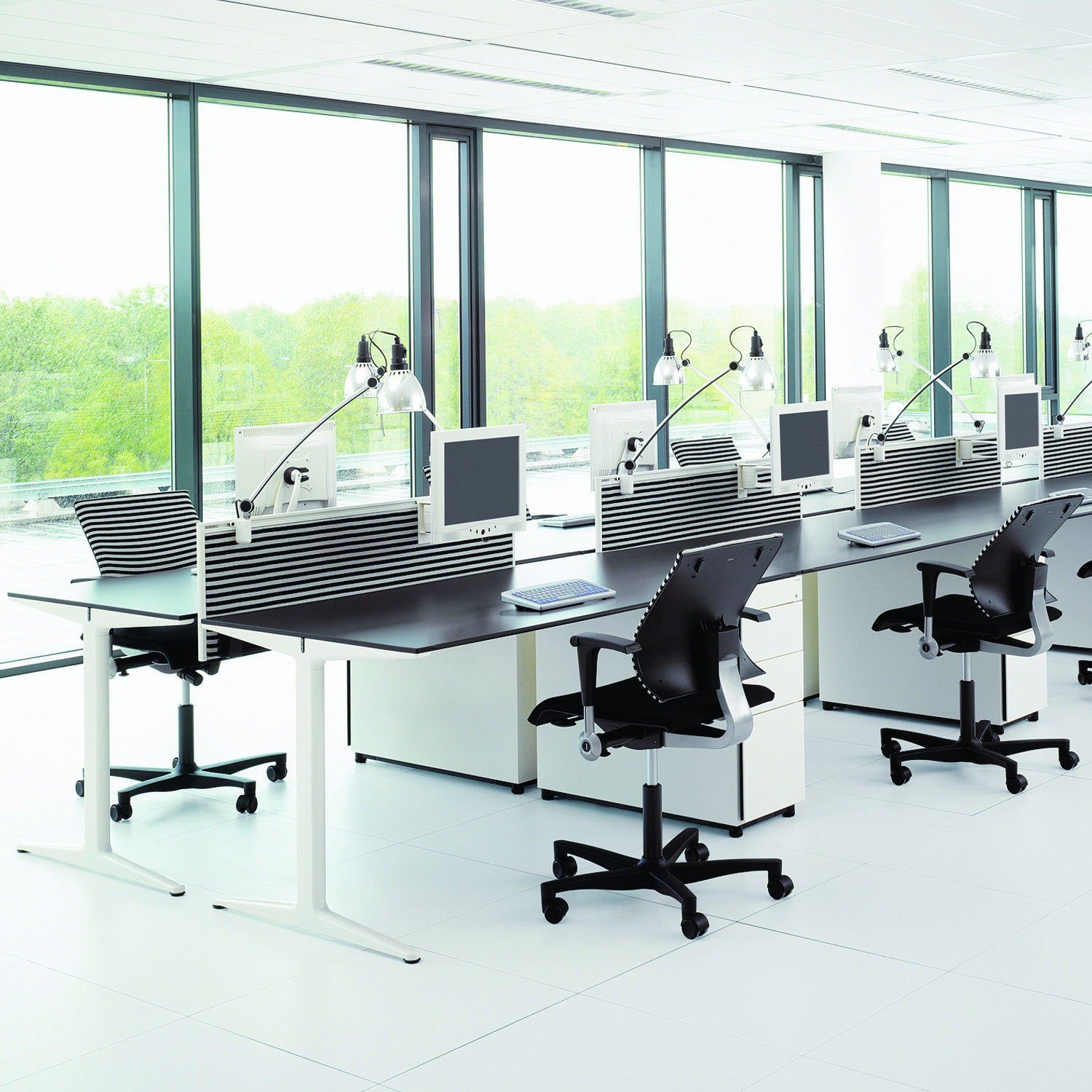 Mehes Office Desk by Ahrend