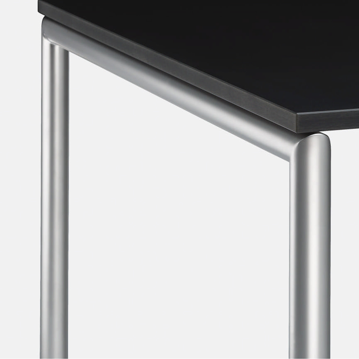 MilanoLight Table has a tubular section steel frame