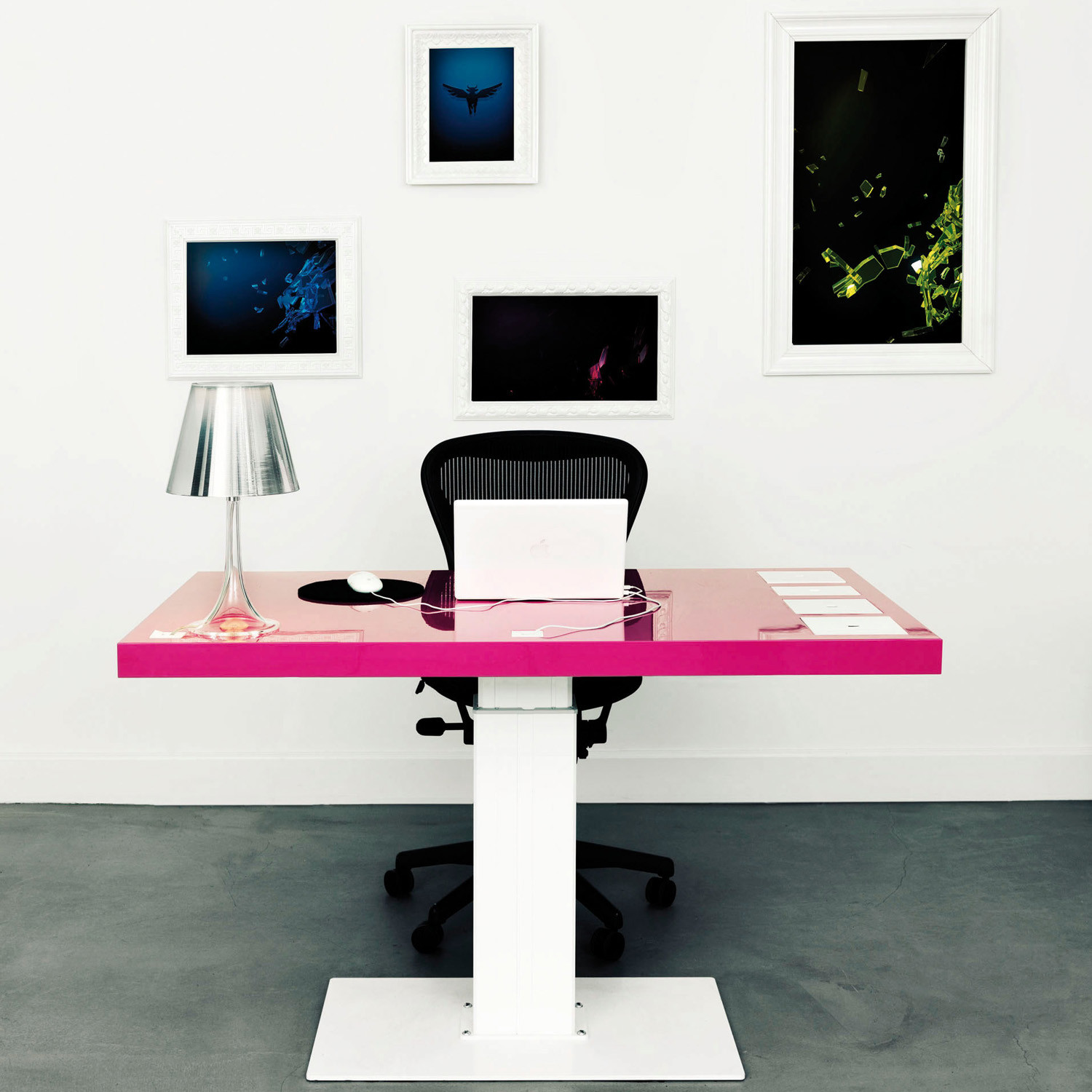 Milk Desk With Pink Desktop