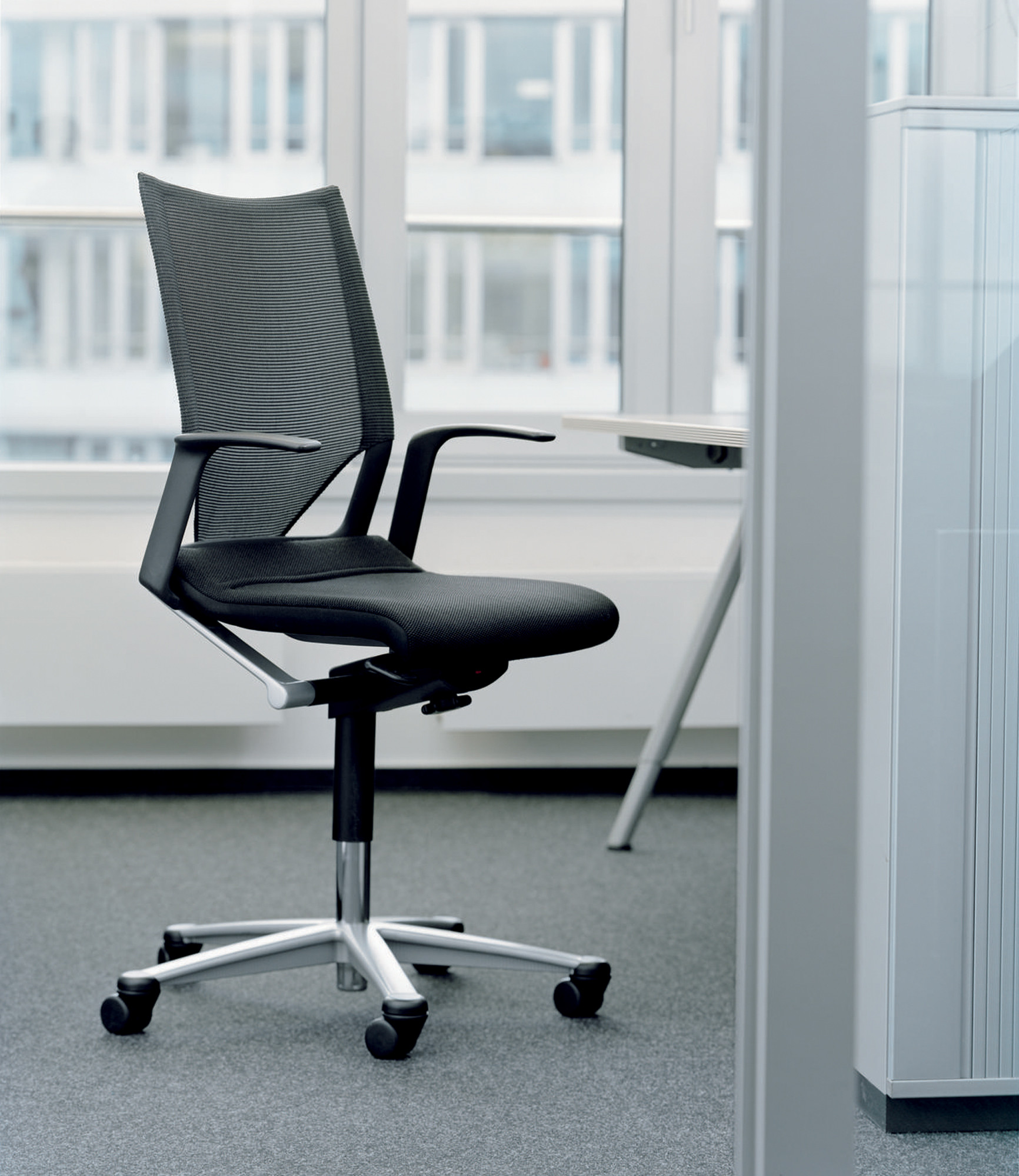 Modus Compact Swivel Chair