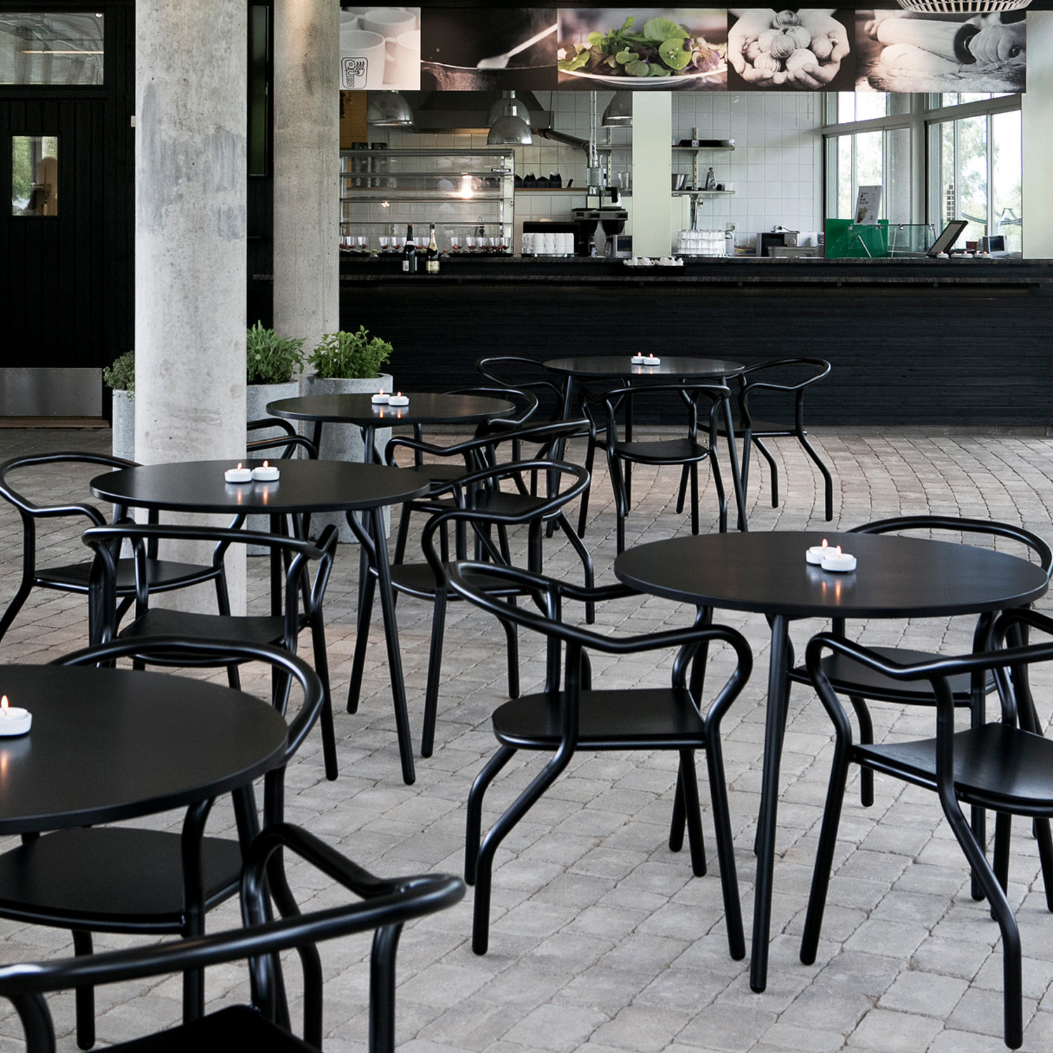 Montmartre Cafe Tables
