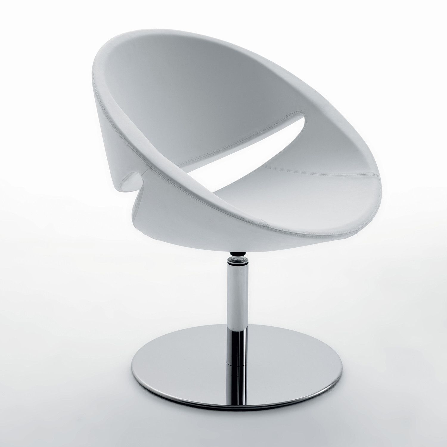 Mya Chair with round plate base