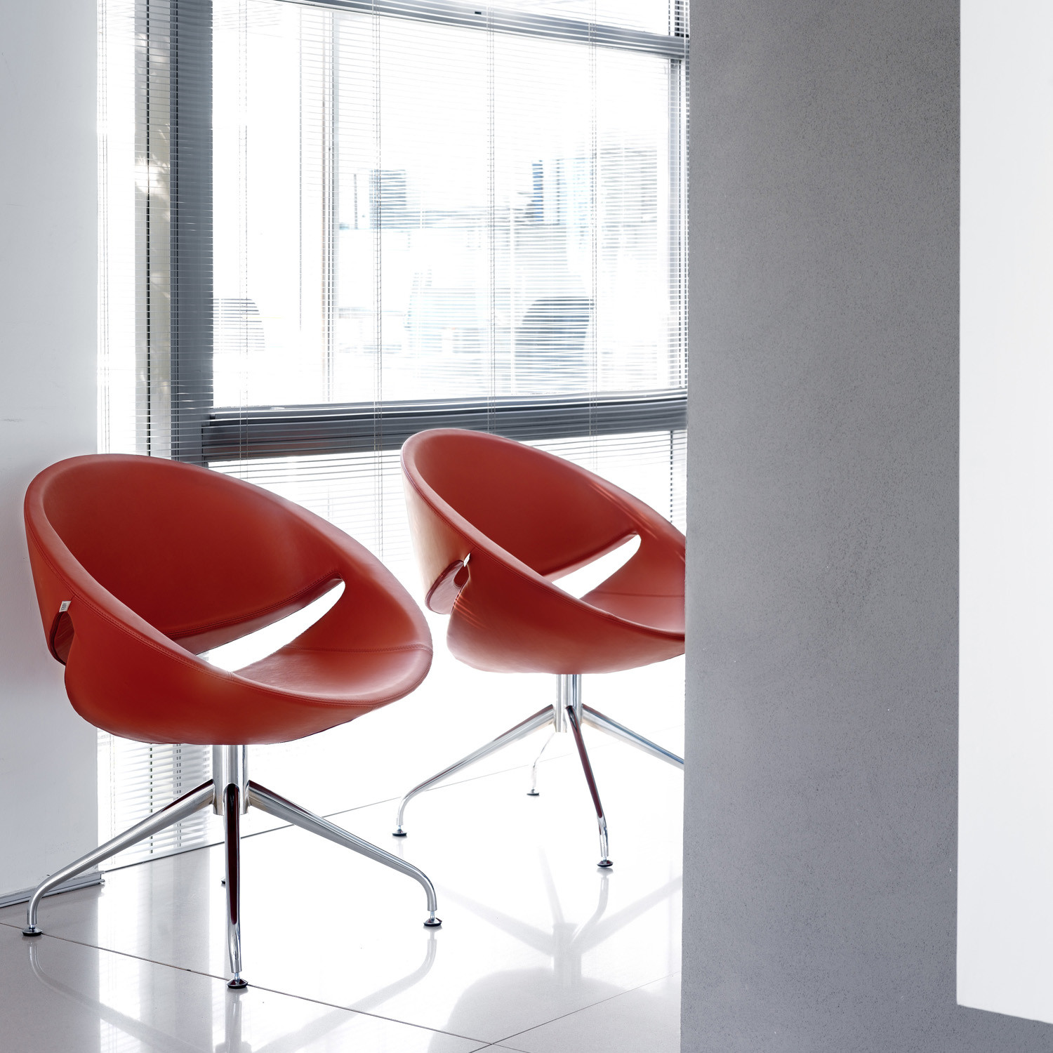 Mya Visitor Chairs