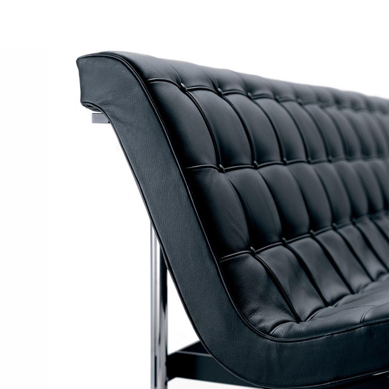 New York Settee Upholstery Detail