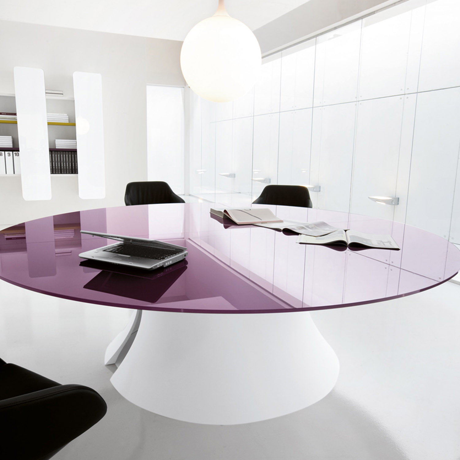 Ola Meeting Table