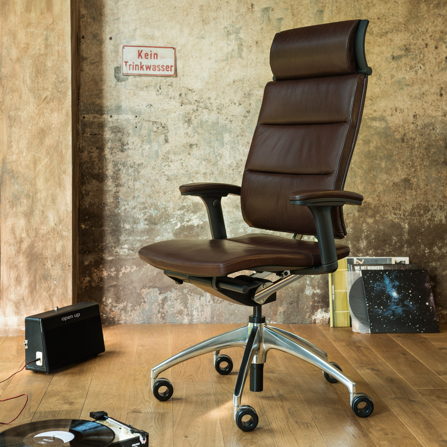 open up modern classic chair ergonomic office chairs apres furniture. Black Bedroom Furniture Sets. Home Design Ideas