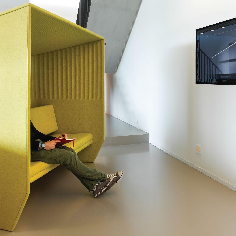 BuzziHub Sofas by BuzziSpace