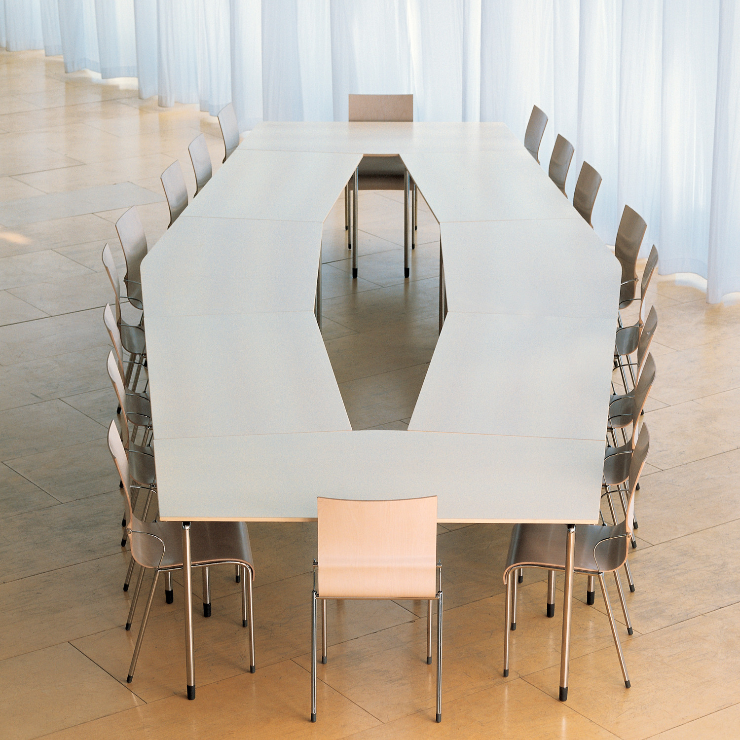 How Plico Modular Conference Tables