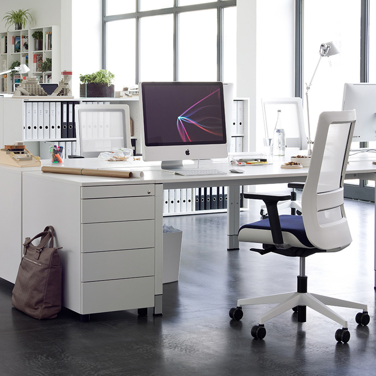 Poi Task Chair by Wiesner Hager