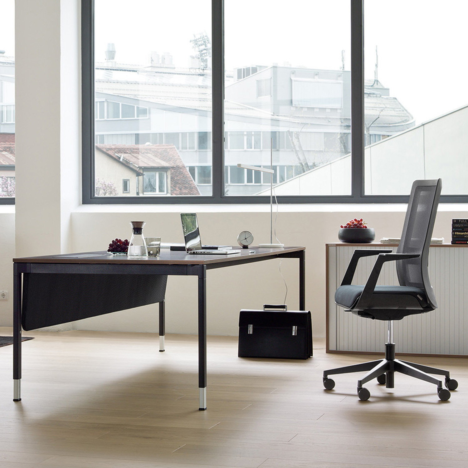 Poi Office Chair by Wiesner Hager