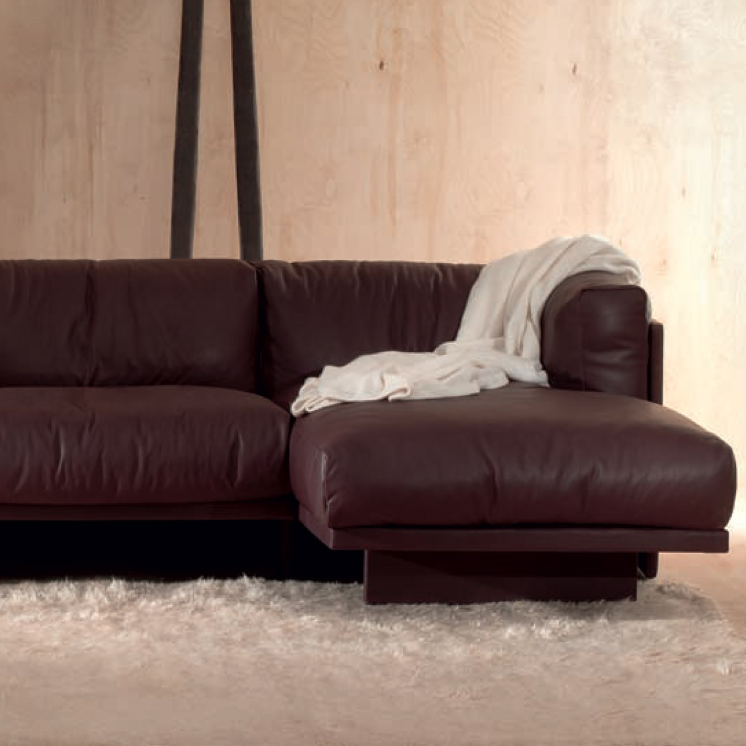 Polo Sofa with Chaise Longe
