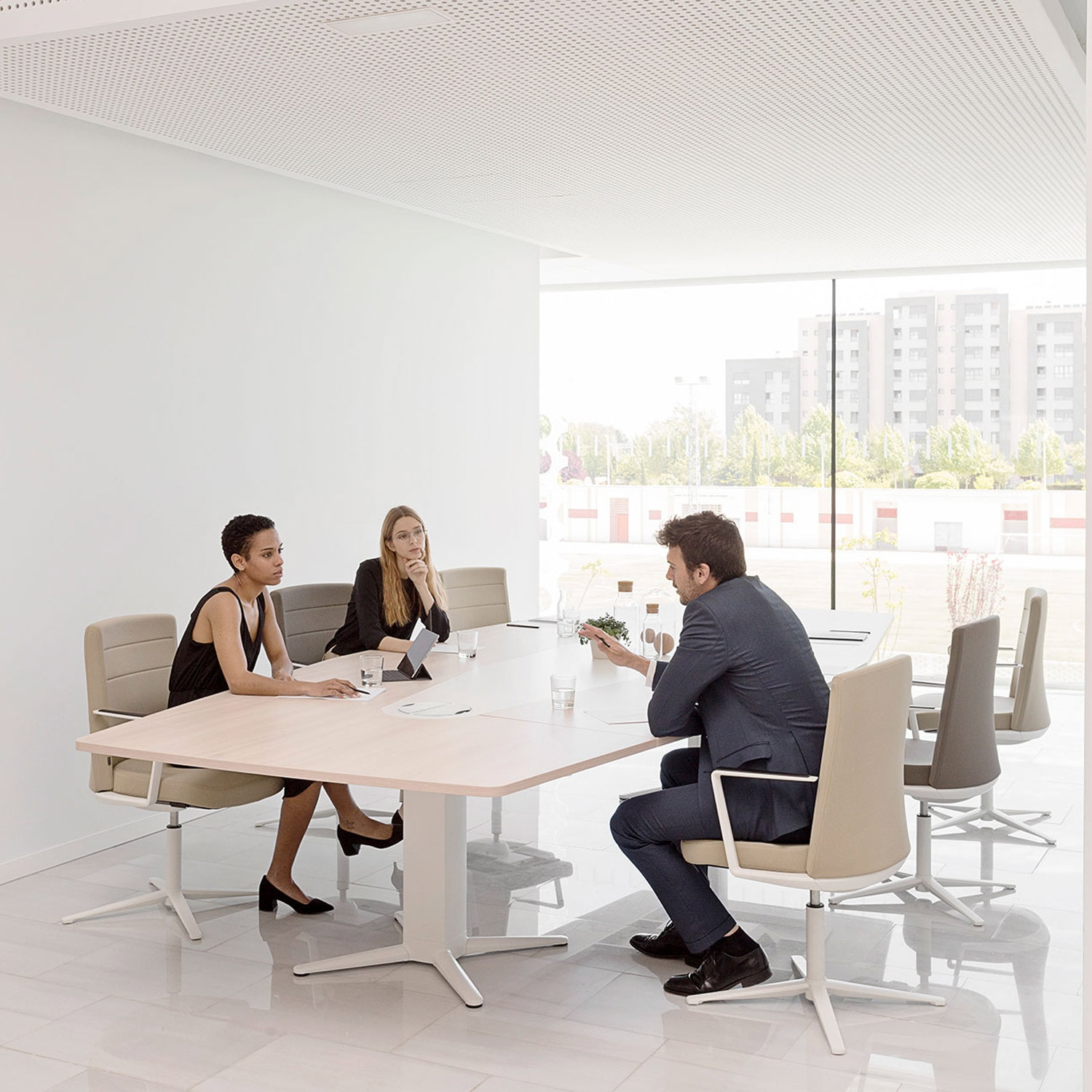 Power Meeting Table fixed height