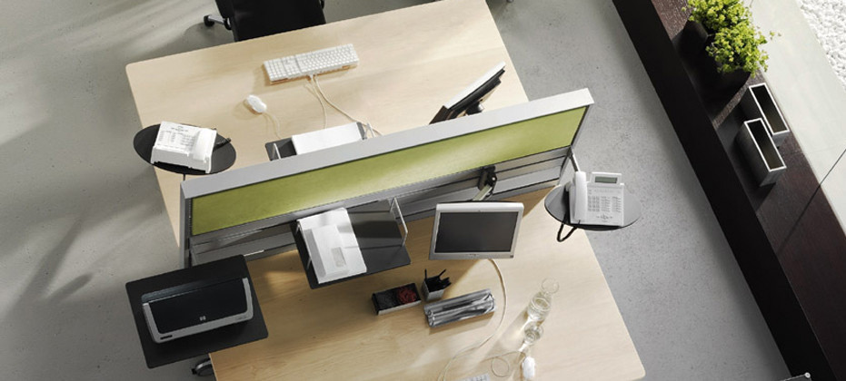 Process E_Station Desk Screen by Wiesner Hager