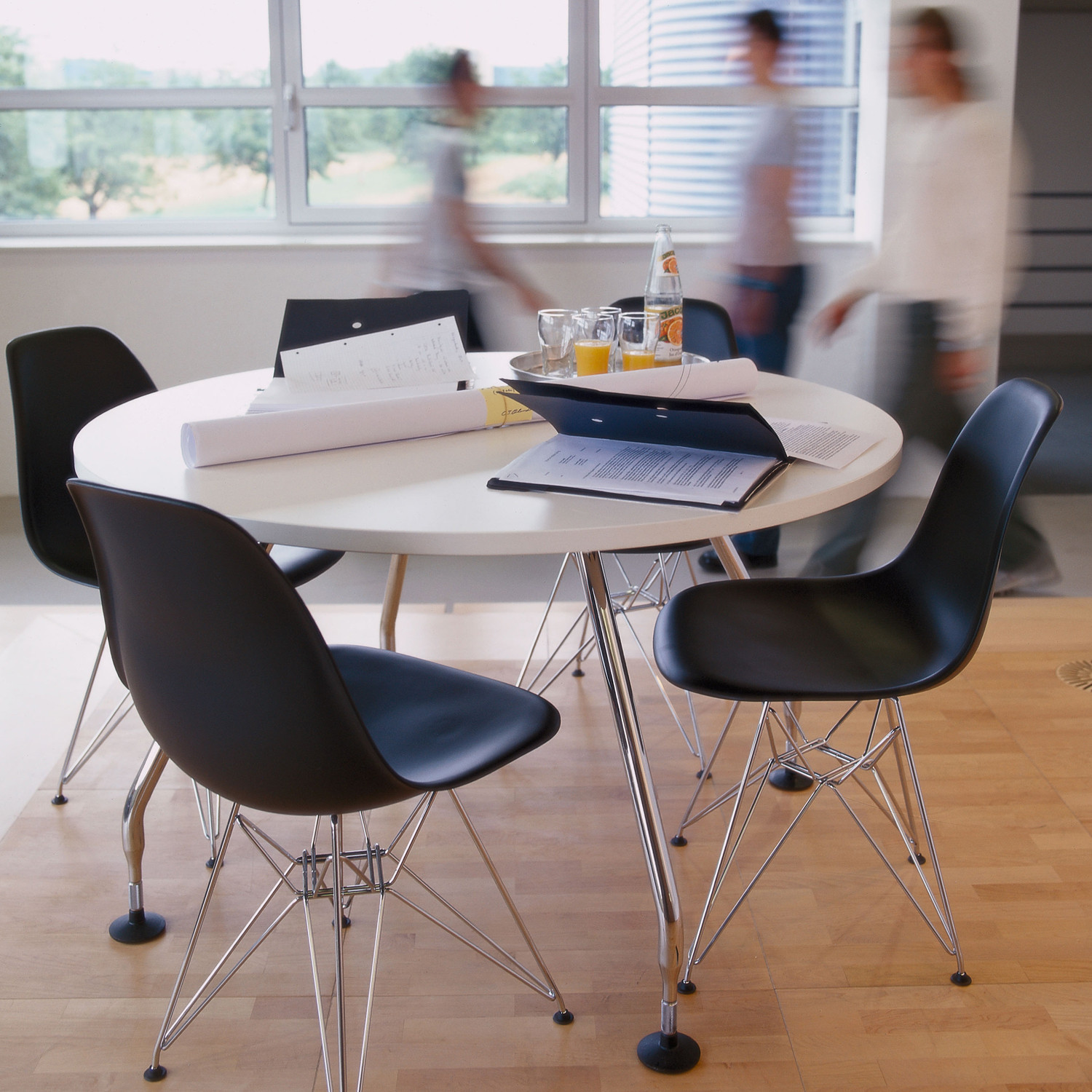Eames Plastic Side Chairs DSR