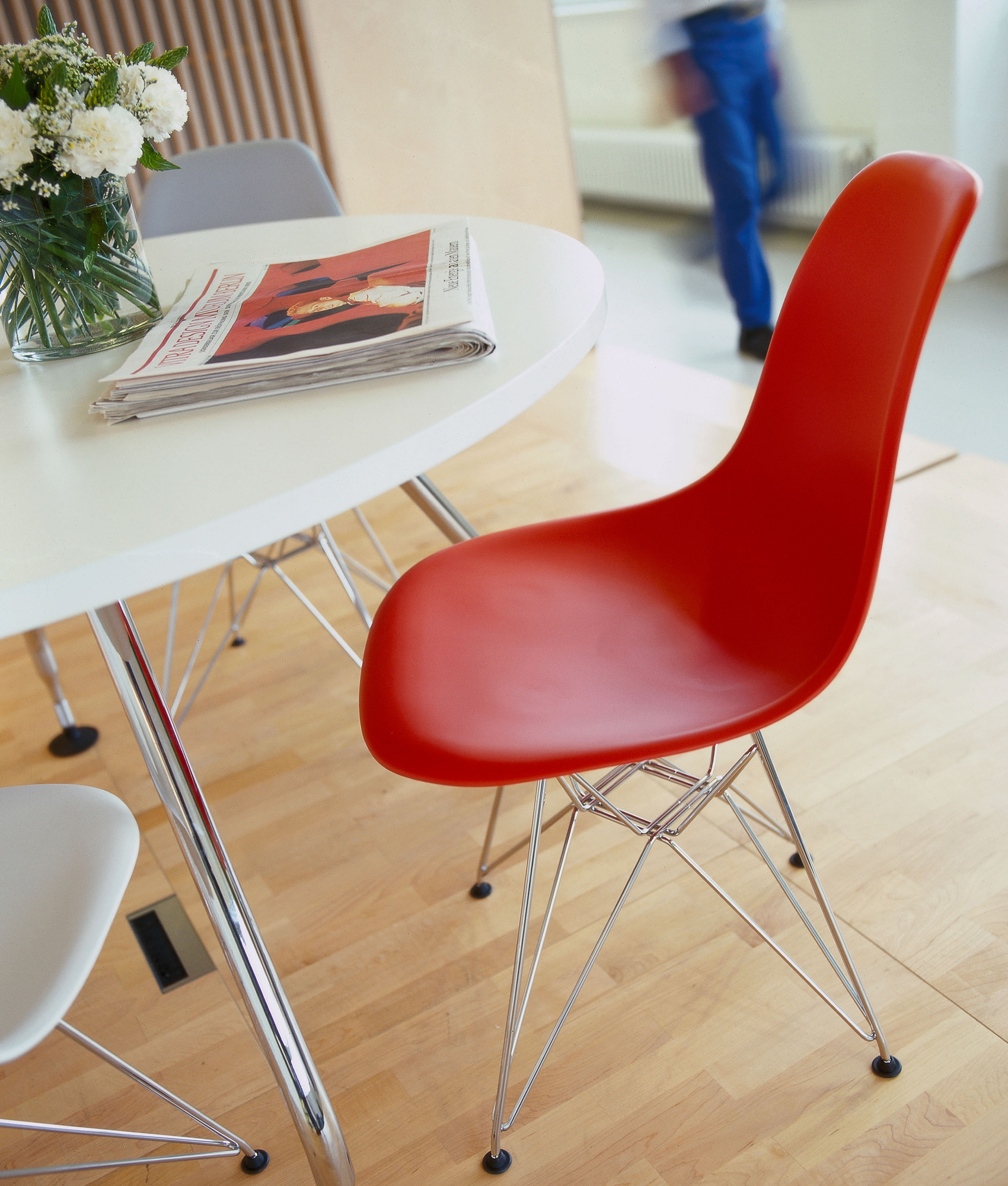 Eames Plastic Dining Chair DSR